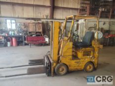 Towmotor 422S propane forklift, clamp attachment on front, short mast, 3000 lb capacity, solid