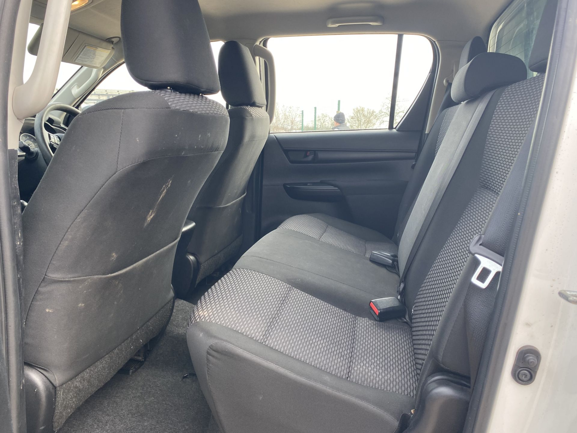 """TOYOTA HILUX """"ACTIVE"""" DOUBLE CAB PICK-UP (2016 - NEW MODEL) 1 OWNER - AIR CON - REAR CANOPY- LOOK - Image 17 of 19"""