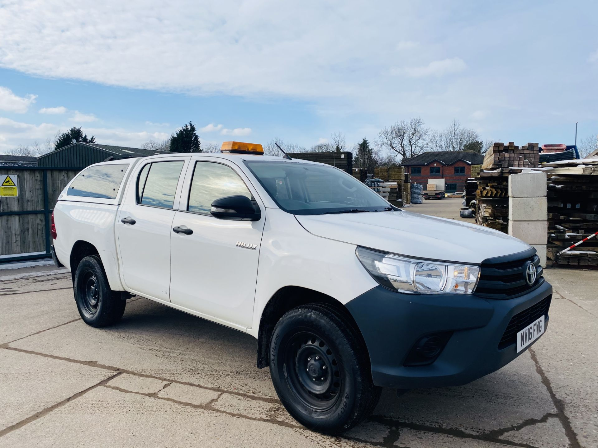 """TOYOTA HILUX """"ACTIVE"""" DOUBLE CAB PICK-UP (2016 - NEW MODEL) 1 OWNER - AIR CON - REAR CANOPY- LOOK"""