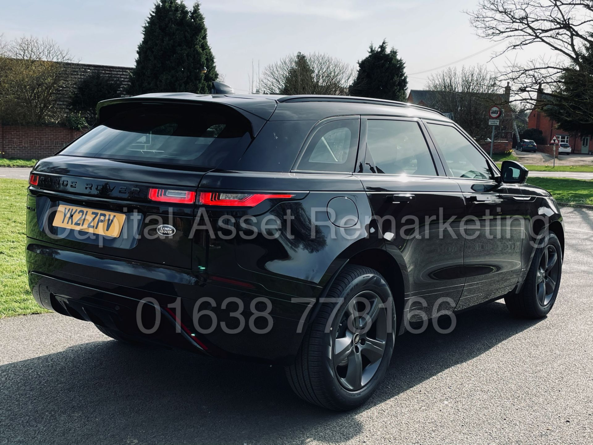 (On Sale) RANGE ROVER VELAR *R-DYNAMIC* SUV (2021) *8 SPEED AUTO - LEATHER* (DELIVERY MILES) - Image 12 of 50