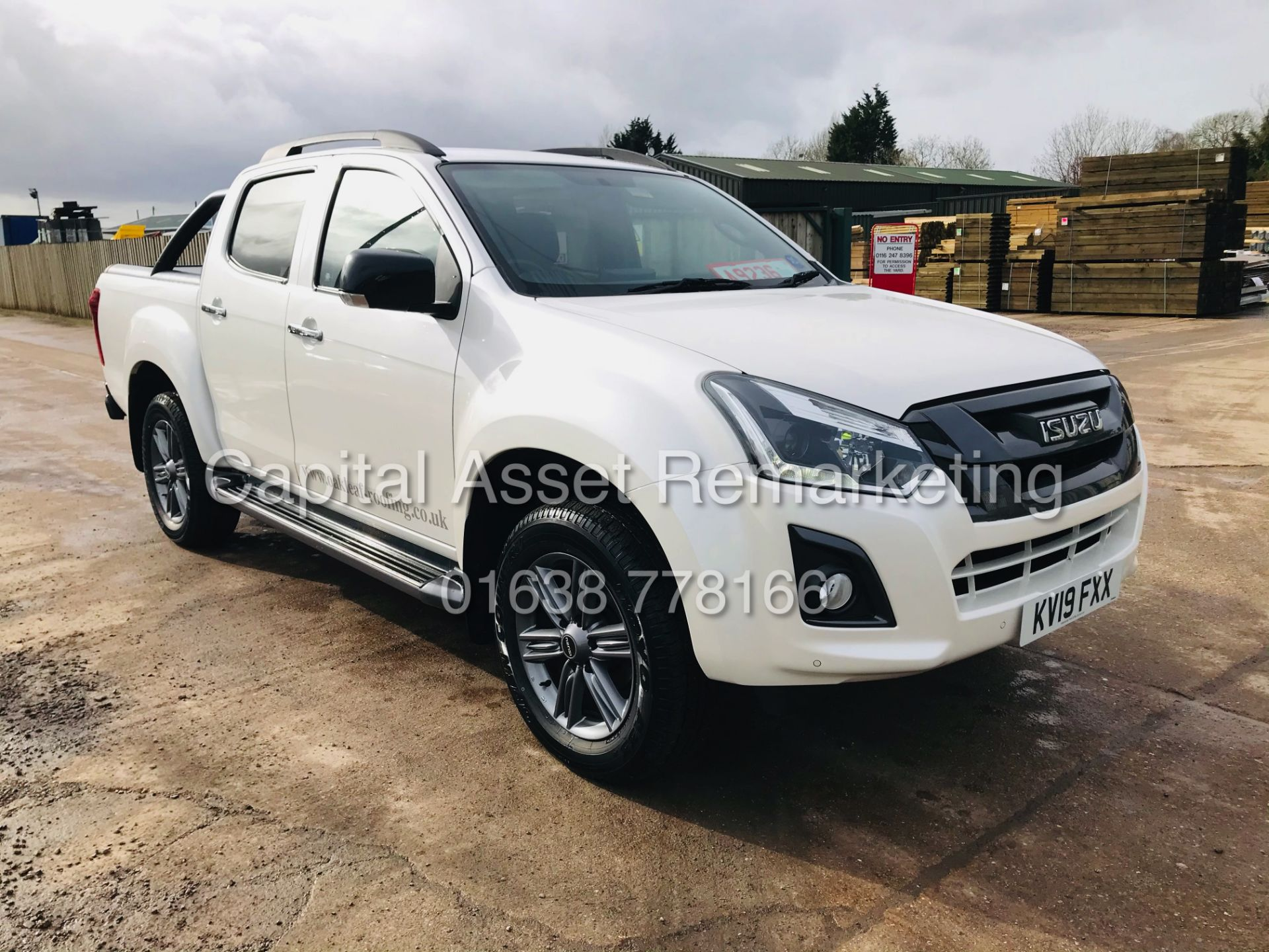 "(On Sale) ISUZU D-MAX ""BLADE"" AUTO - 1 OWNER (2019 - EURO 6) LEATHER - SAT NAV *TOP SPEC* - Image 3 of 34"