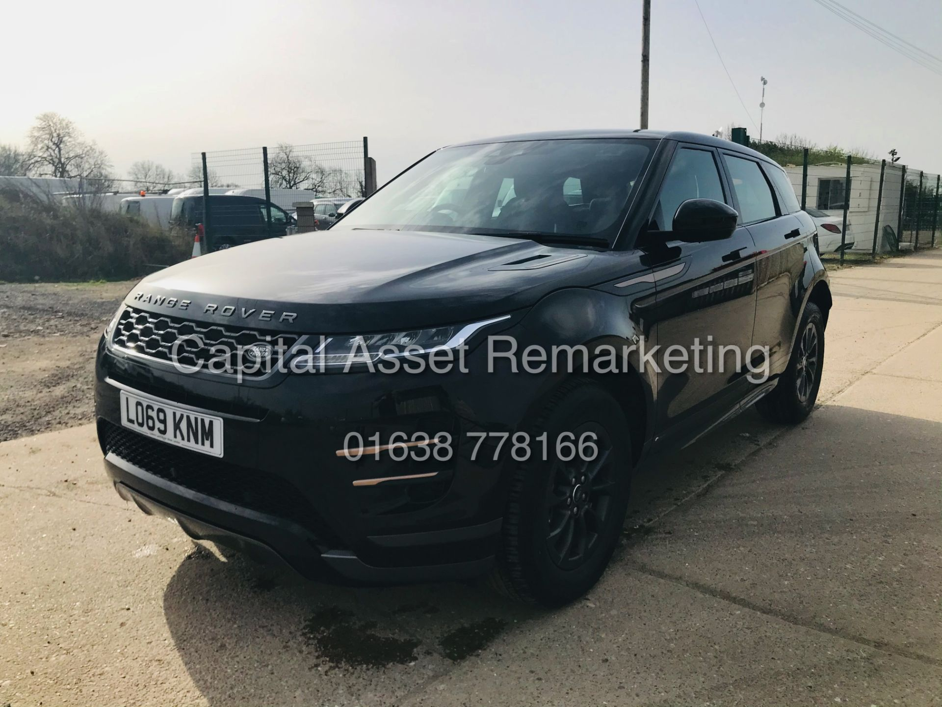 "(On Sale) RANGE ROVER EVOQUE R-DYNAMIC 2.0 D150 ""BLACK EDITION"" (2020) GREAT SPEC - ONLY 4500 MILES - Image 5 of 26"