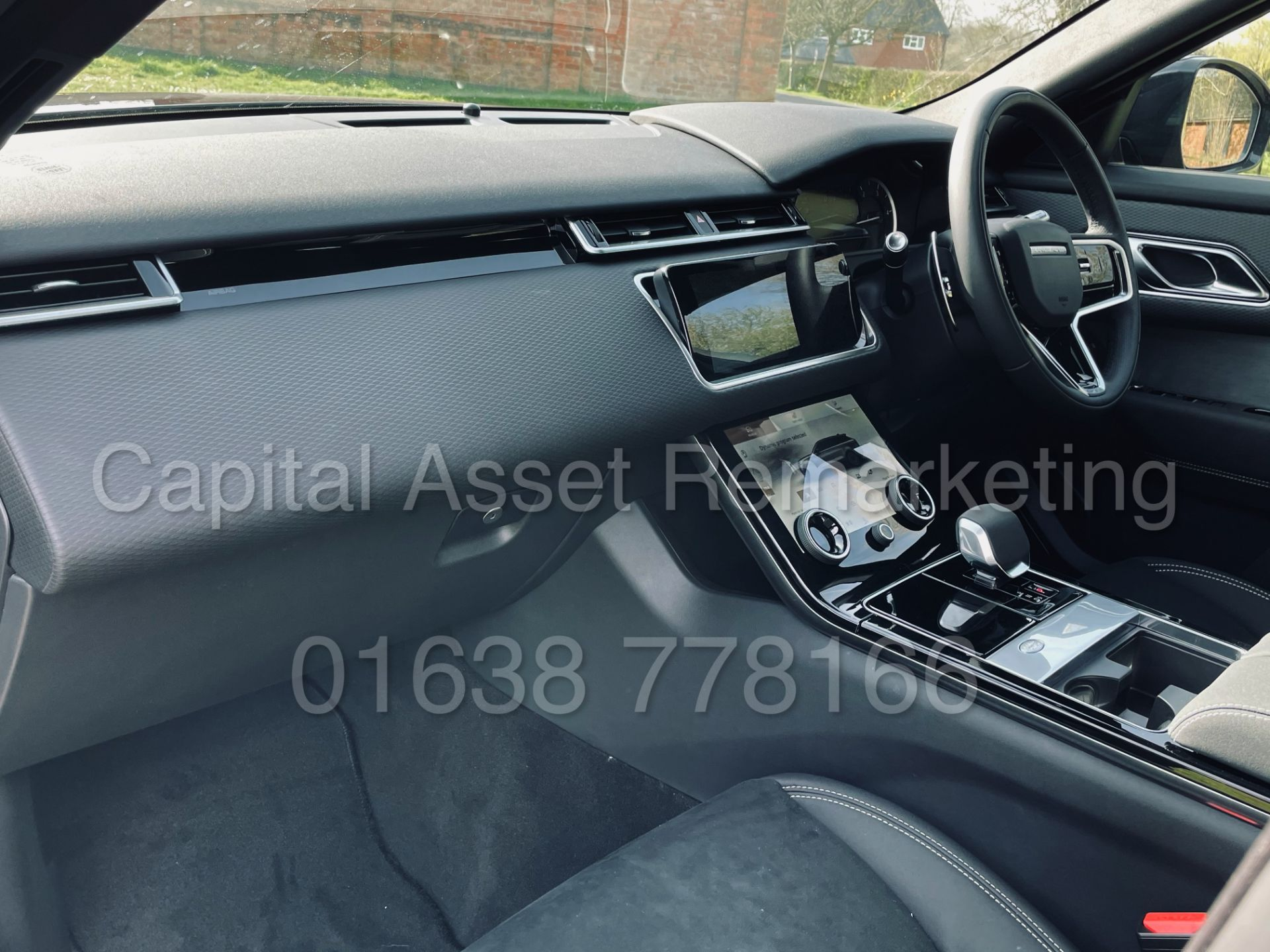 (On Sale) RANGE ROVER VELAR *R-DYNAMIC* SUV (2021) *8 SPEED AUTO - LEATHER* (DELIVERY MILES) - Image 21 of 50