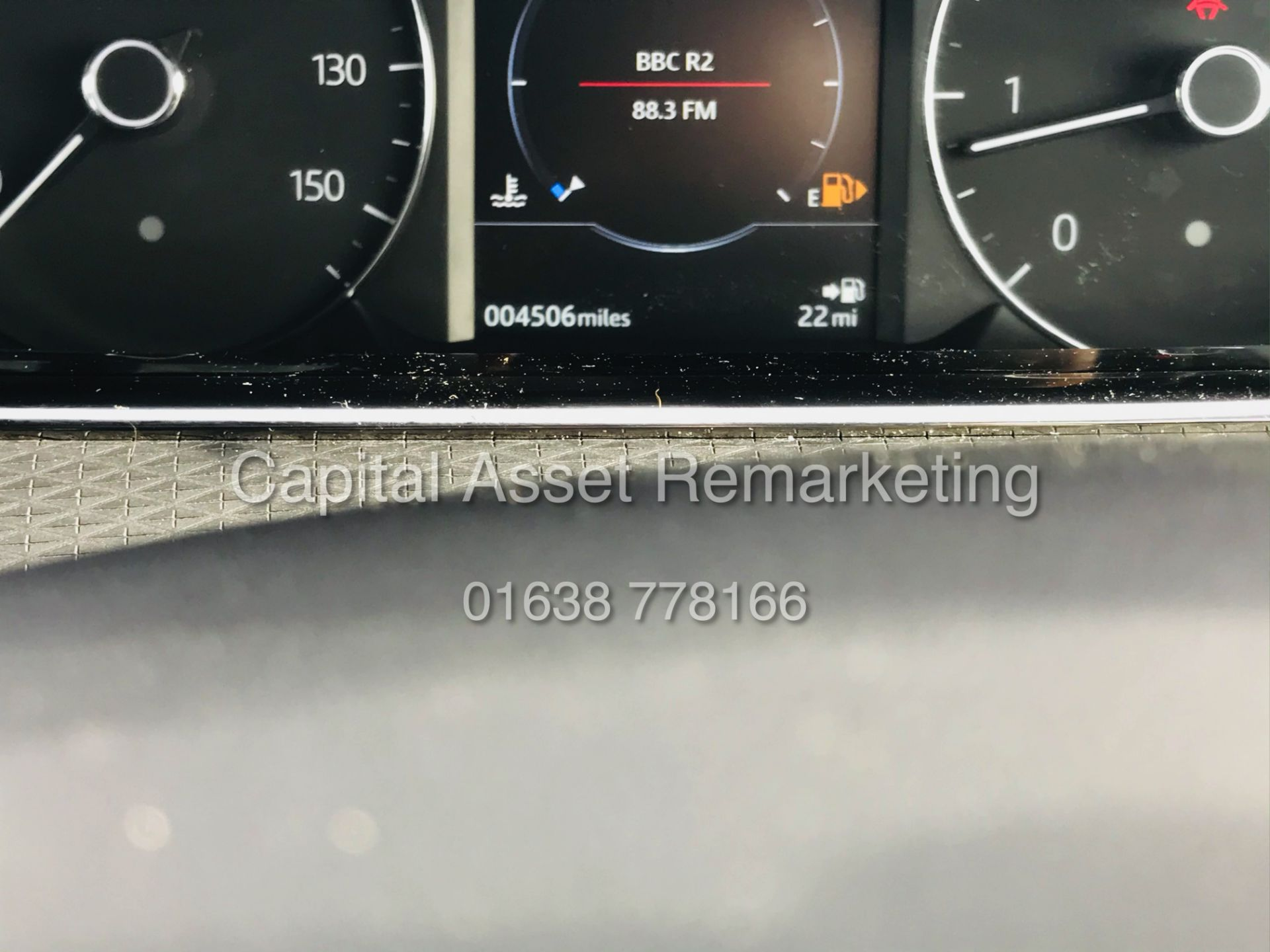 "(On Sale) RANGE ROVER EVOQUE R-DYNAMIC 2.0 D150 ""BLACK EDITION"" (2020) GREAT SPEC - ONLY 4500 MILES - Image 13 of 26"