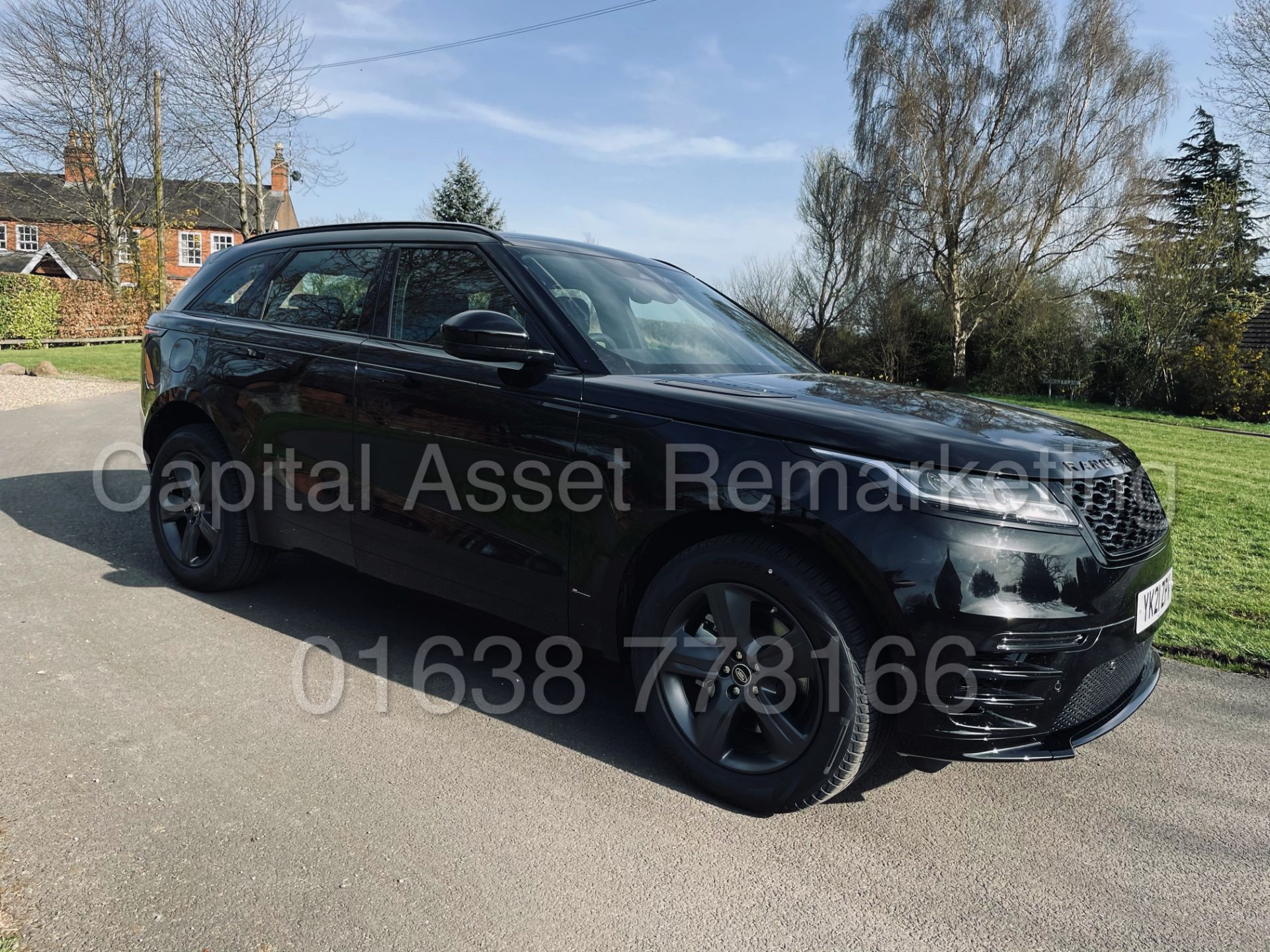 (On Sale) RANGE ROVER VELAR *R-DYNAMIC* SUV (2021) *8 SPEED AUTO - LEATHER* (DELIVERY MILES) - Image 2 of 50
