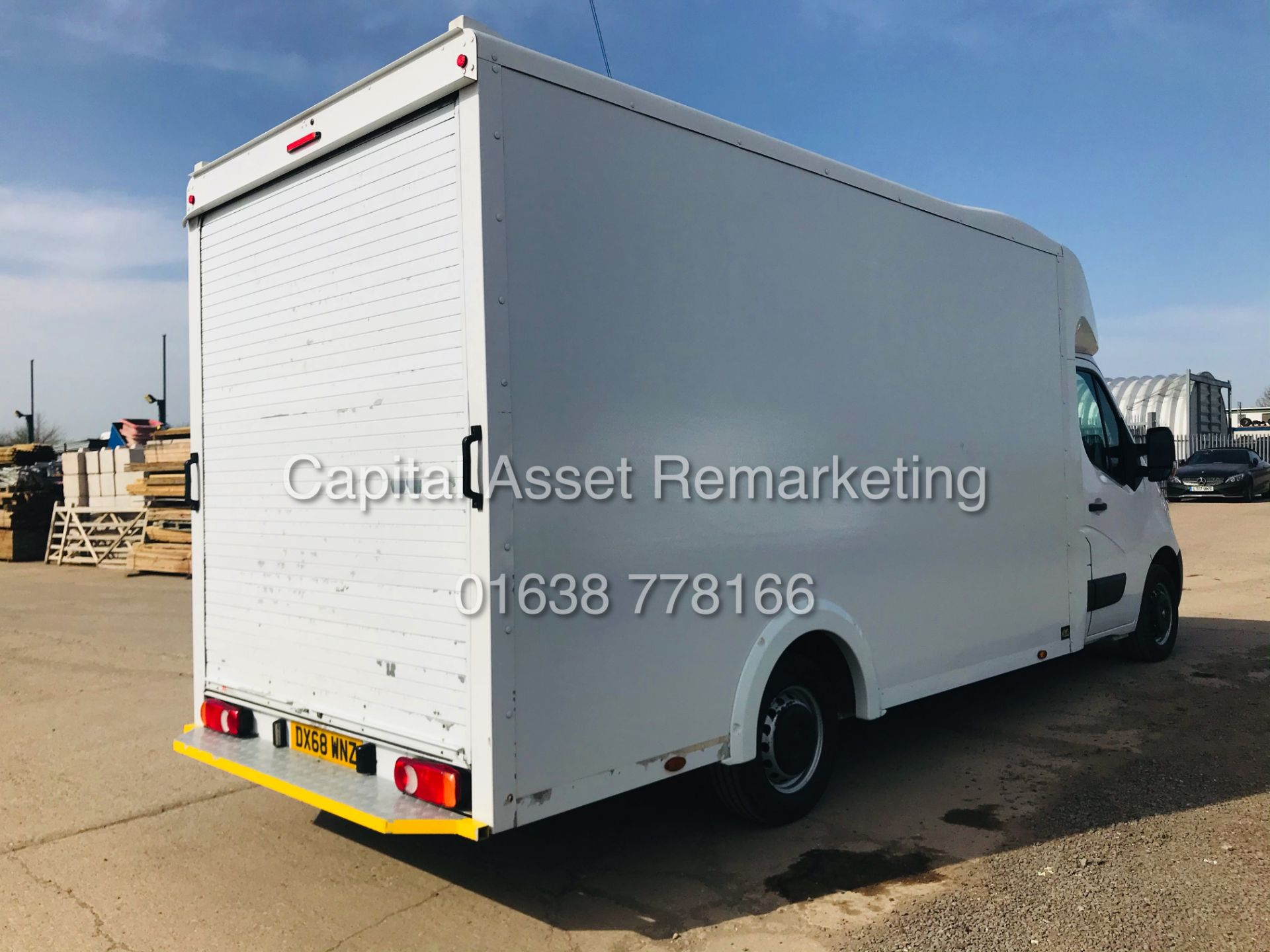 "ON SALE VAUXHALL MOVANO 2.3CDTI ""LOW-LOADER""14FT LUTON BODY (2019 MODEL) 1 OWNER *AIR CON*-ELEC PACK - Image 9 of 23"