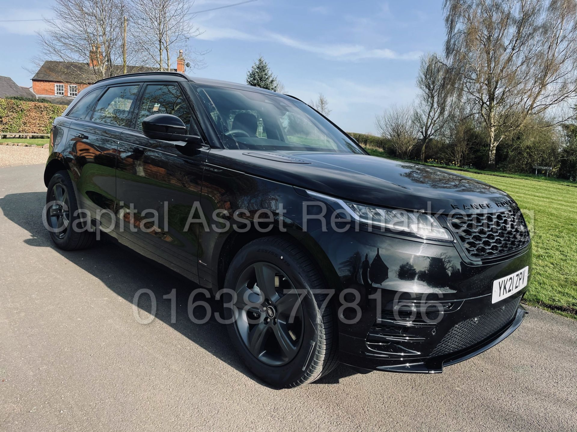 (On Sale) RANGE ROVER VELAR *R-DYNAMIC* SUV (2021) *8 SPEED AUTO - LEATHER* (DELIVERY MILES) - Image 3 of 50