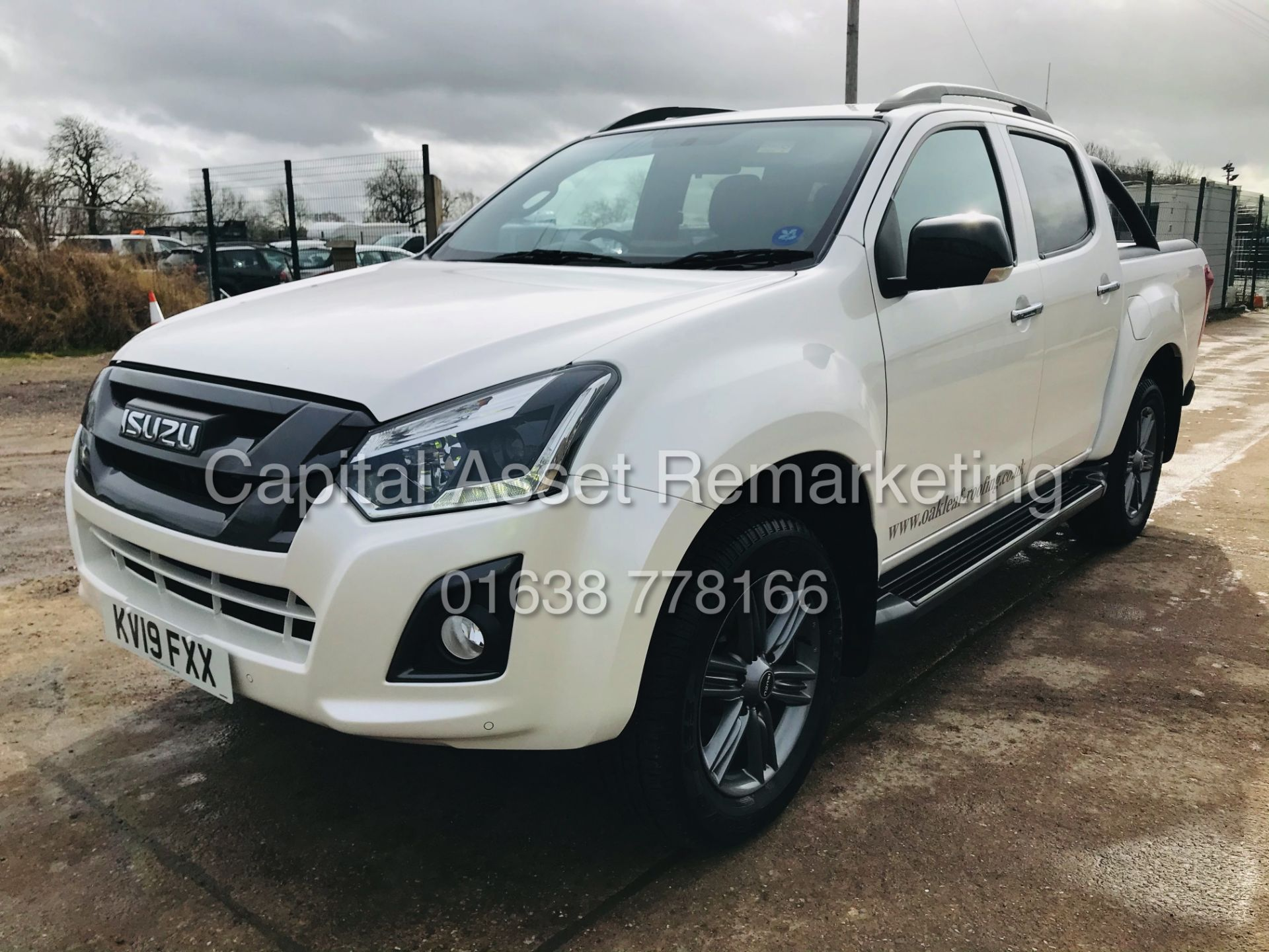 "(On Sale) ISUZU D-MAX ""BLADE"" AUTO - 1 OWNER (2019 - EURO 6) LEATHER - SAT NAV *TOP SPEC* - Image 5 of 34"