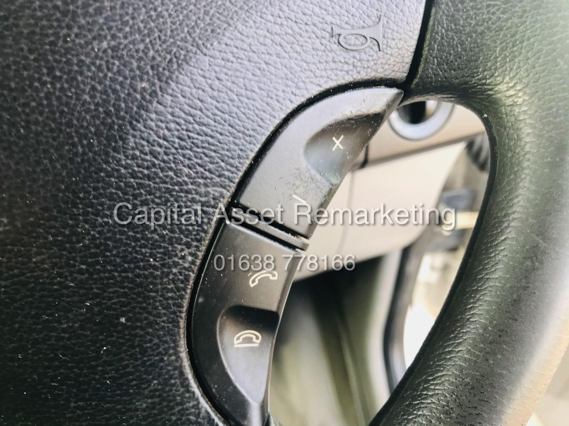ON SALE VW CRAFTER 2.0TDI CR35 (15 REG) 1 OWNER - CRUISE - ELEC PACK - MULTIFUNCTION STEERING WHEEL - Image 19 of 19