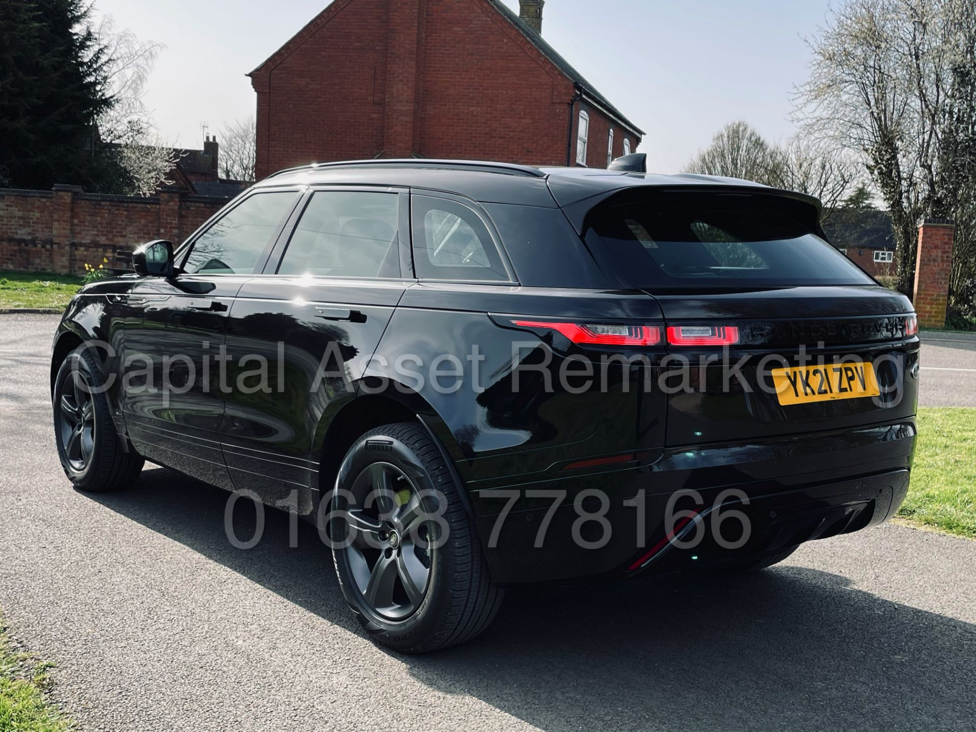 (On Sale) RANGE ROVER VELAR *R-DYNAMIC* SUV (2021) *8 SPEED AUTO - LEATHER* (DELIVERY MILES) - Image 10 of 50