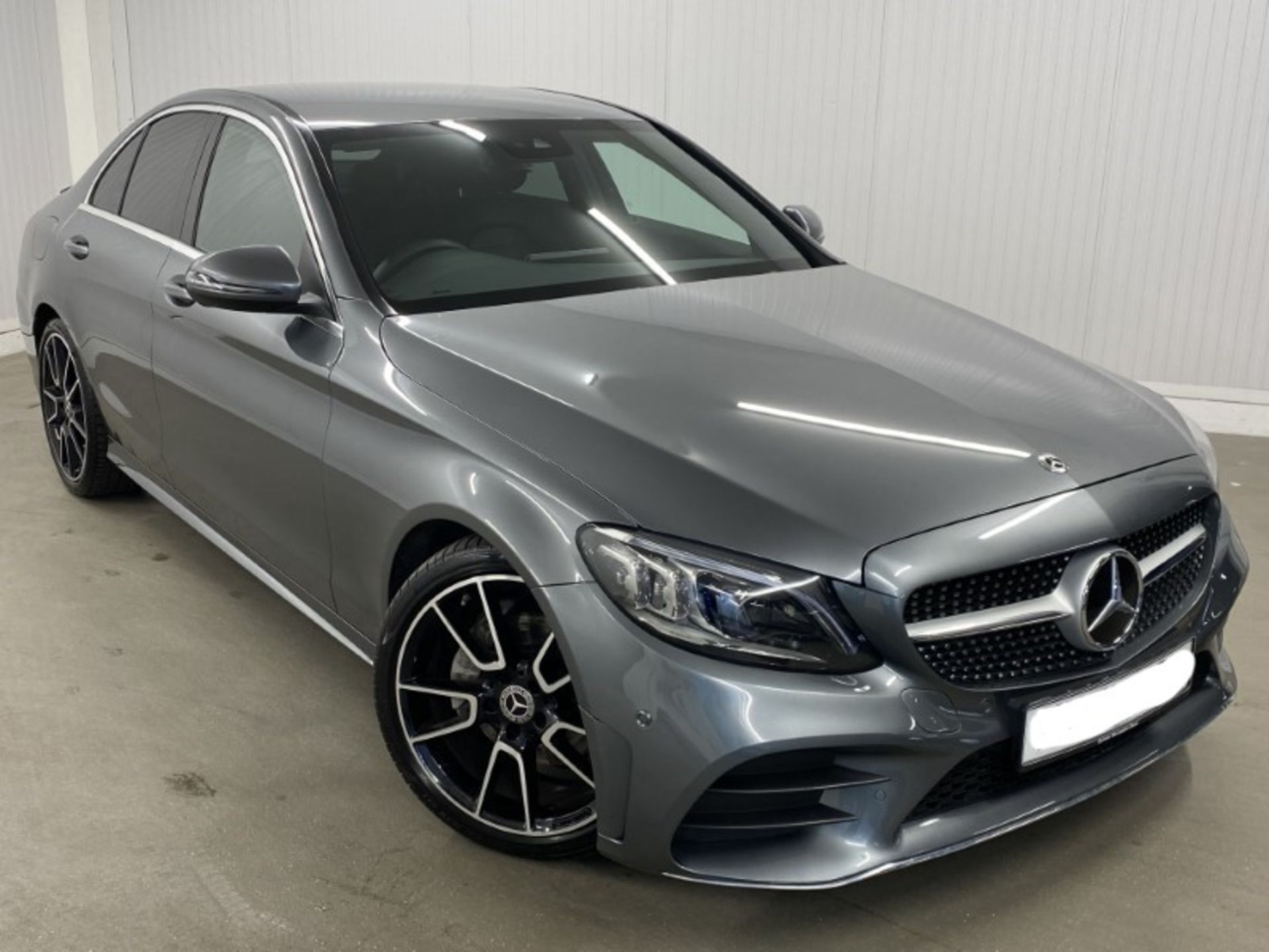MERCEDES-BENZ C220d *AMG LINE - PREMIUM* SALOON (2021 MODEL) '9-G TRONIC' *LEATHER & NAV* (1 OWNER)
