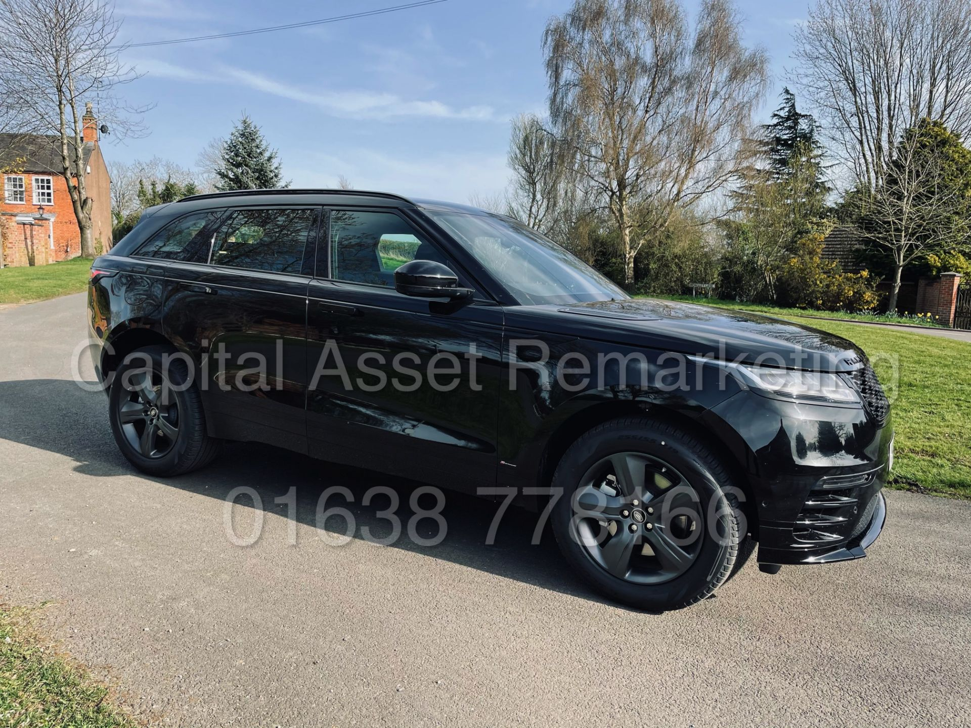(On Sale) RANGE ROVER VELAR *R-DYNAMIC* SUV (2021) *8 SPEED AUTO - LEATHER* (DELIVERY MILES)
