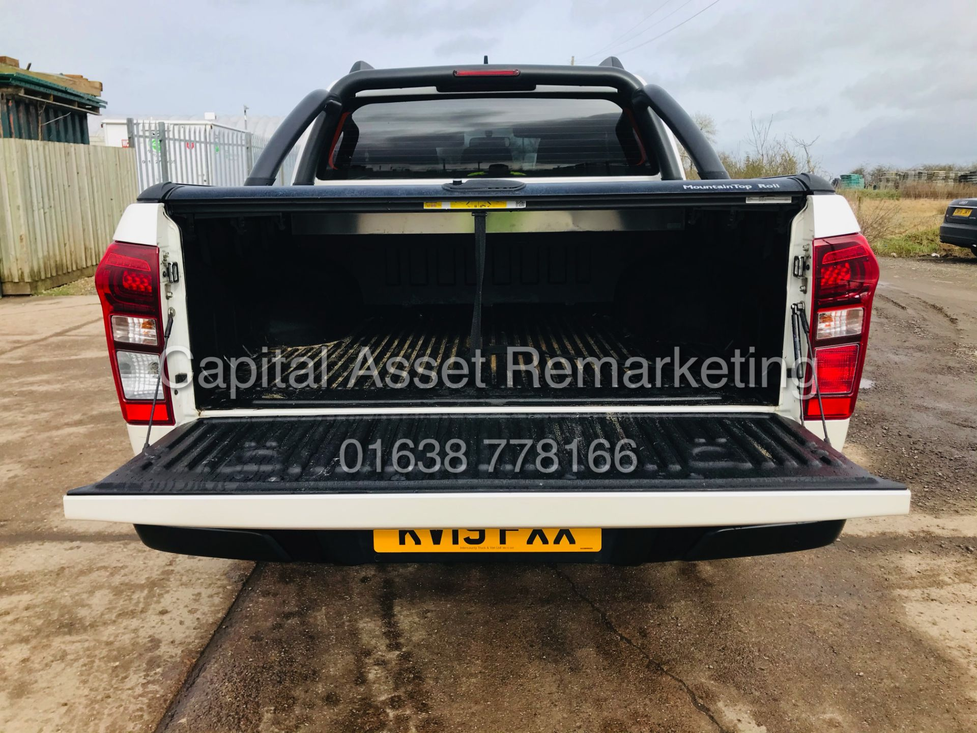 "(On Sale) ISUZU D-MAX ""BLADE"" AUTO - 1 OWNER (2019 - EURO 6) LEATHER - SAT NAV *TOP SPEC* - Image 13 of 34"