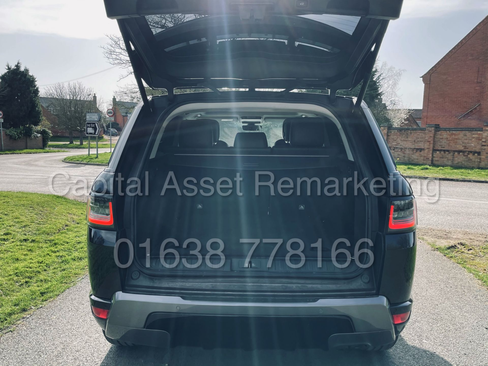 (On Sale) RANGE ROVER SPORT *HSE EDITION* SUV (2018 - NEW MODEL) '8 SPEED AUTO' *FULLY LOADED* - Image 28 of 55