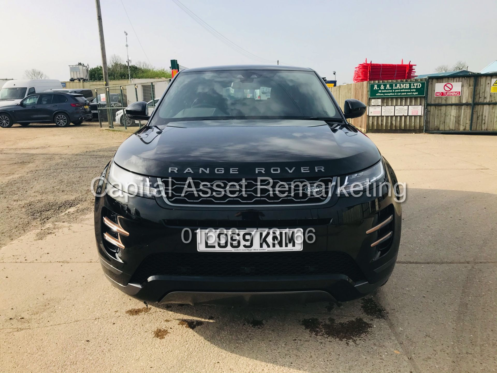 "(On Sale) RANGE ROVER EVOQUE R-DYNAMIC 2.0 D150 ""BLACK EDITION"" (2020) GREAT SPEC - ONLY 4500 MILES - Image 4 of 26"
