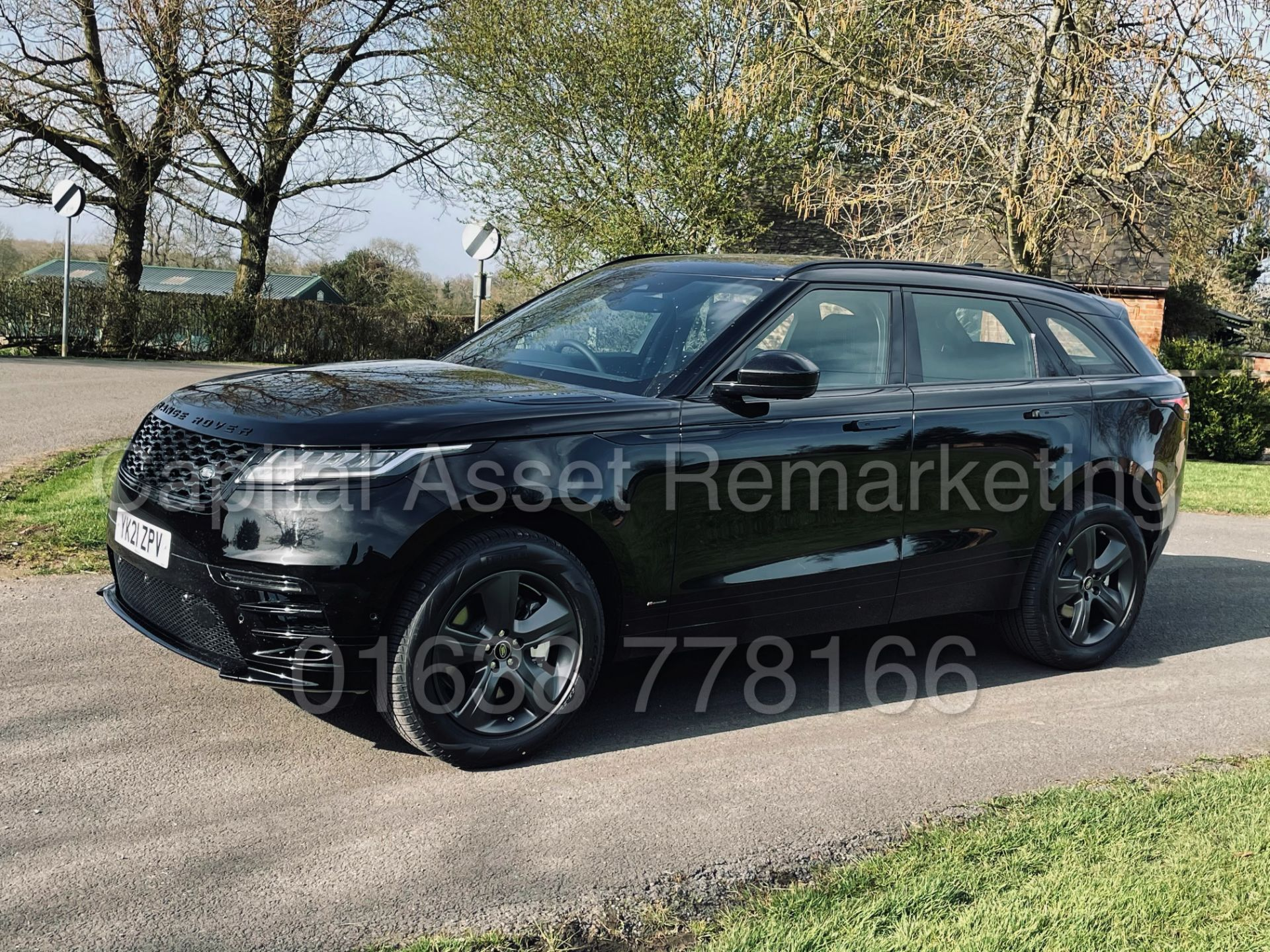 (On Sale) RANGE ROVER VELAR *R-DYNAMIC* SUV (2021) *8 SPEED AUTO - LEATHER* (DELIVERY MILES) - Image 7 of 50
