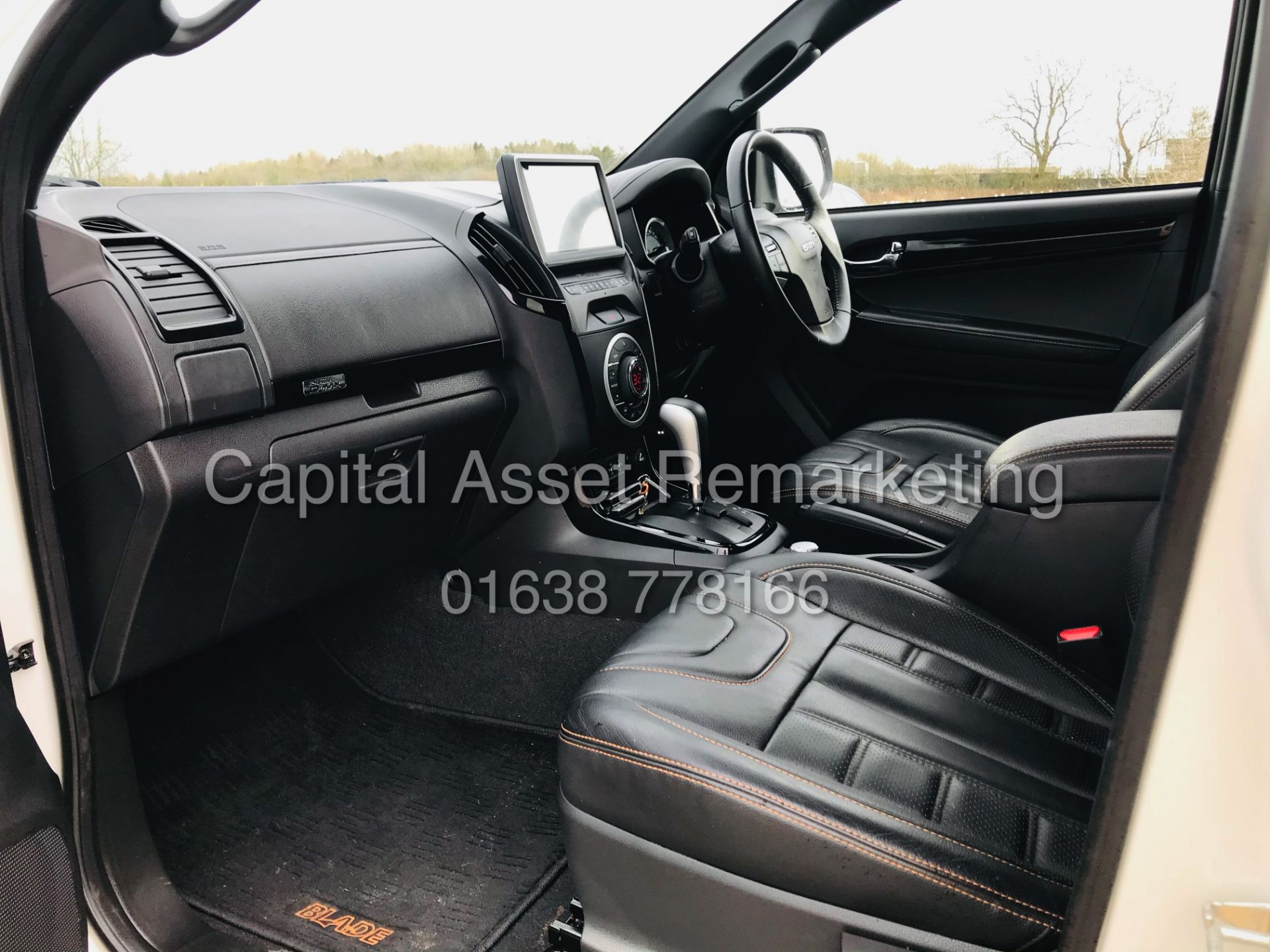 "(On Sale) ISUZU D-MAX ""BLADE"" AUTO - 1 OWNER (2019 - EURO 6) LEATHER - SAT NAV *TOP SPEC* - Image 22 of 34"