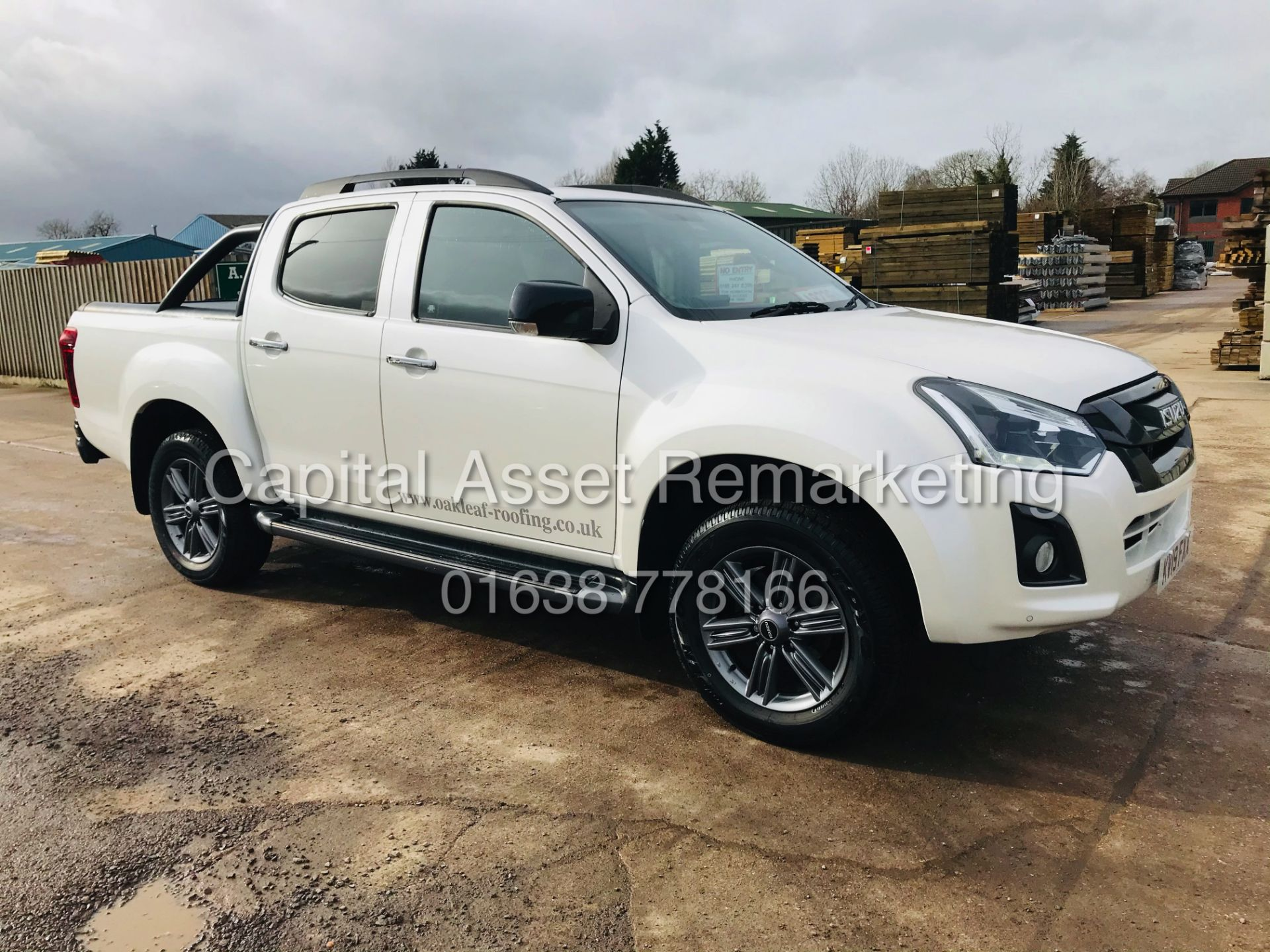 "(On Sale) ISUZU D-MAX ""BLADE"" AUTO - 1 OWNER (2019 - EURO 6) LEATHER - SAT NAV *TOP SPEC* - Image 2 of 34"