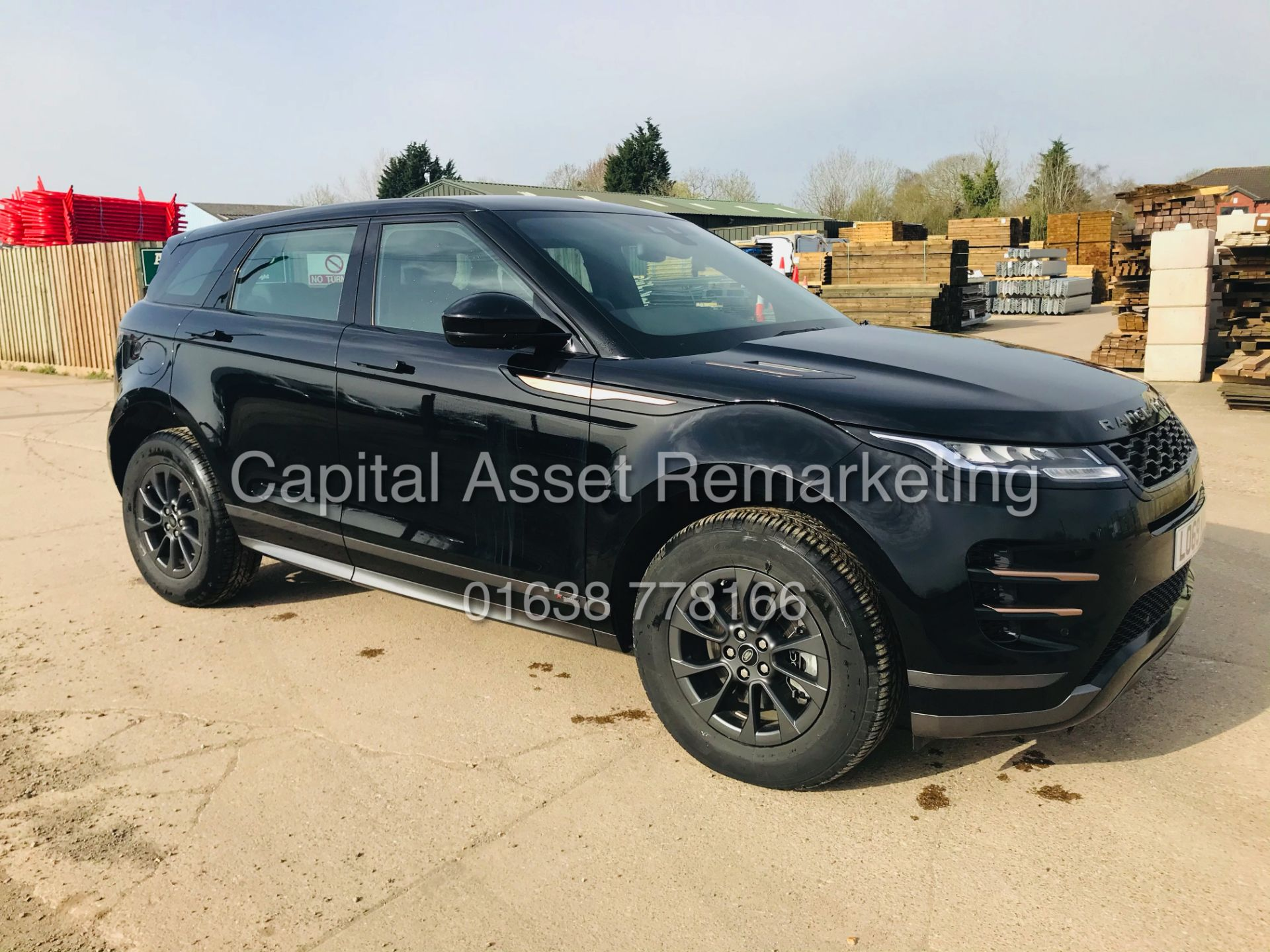 "(On Sale) RANGE ROVER EVOQUE R-DYNAMIC 2.0 D150 ""BLACK EDITION"" (2020) GREAT SPEC - ONLY 4500 MILES - Image 2 of 26"