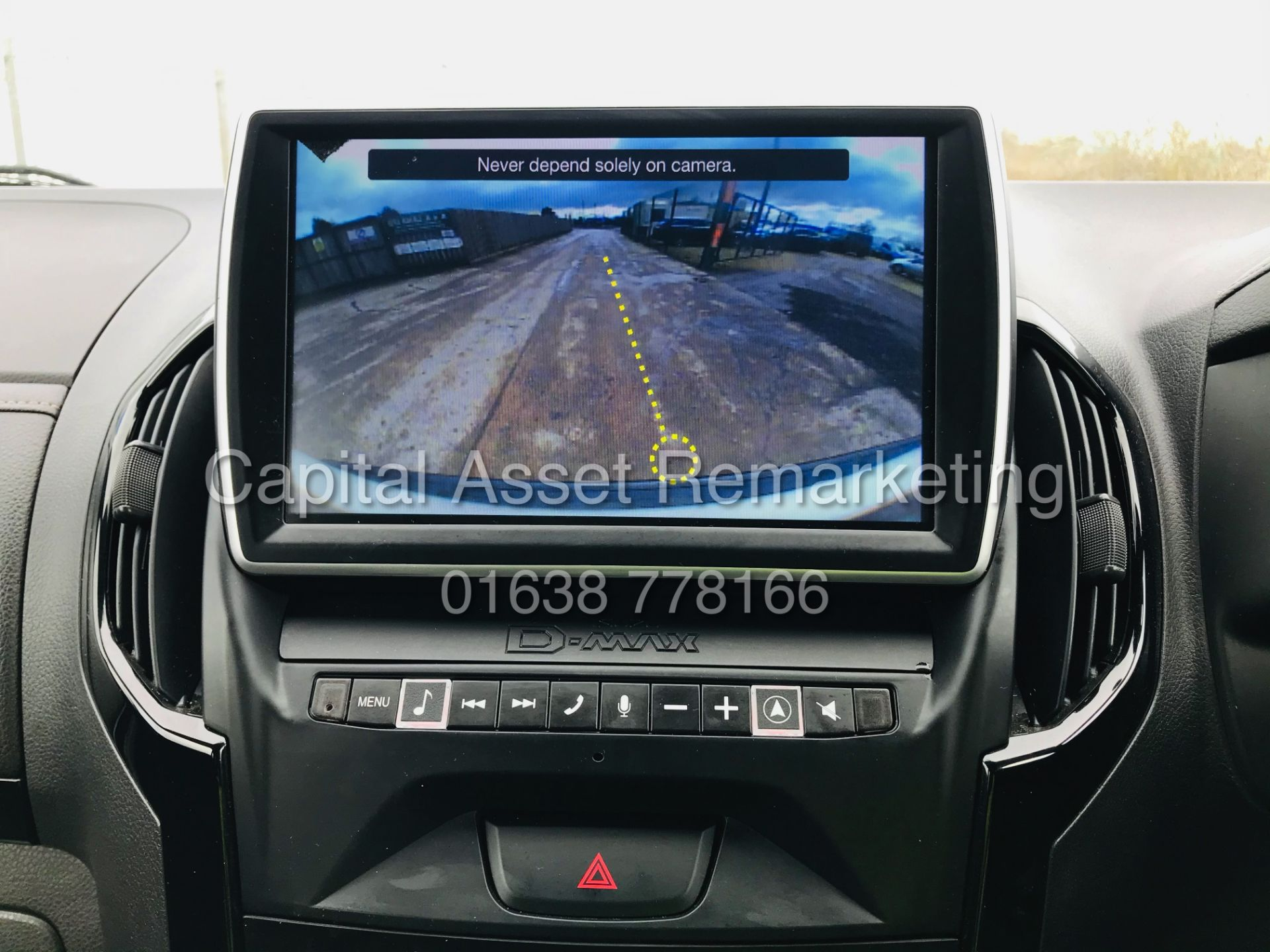 "(On Sale) ISUZU D-MAX ""BLADE"" AUTO - 1 OWNER (2019 - EURO 6) LEATHER - SAT NAV *TOP SPEC* - Image 27 of 34"