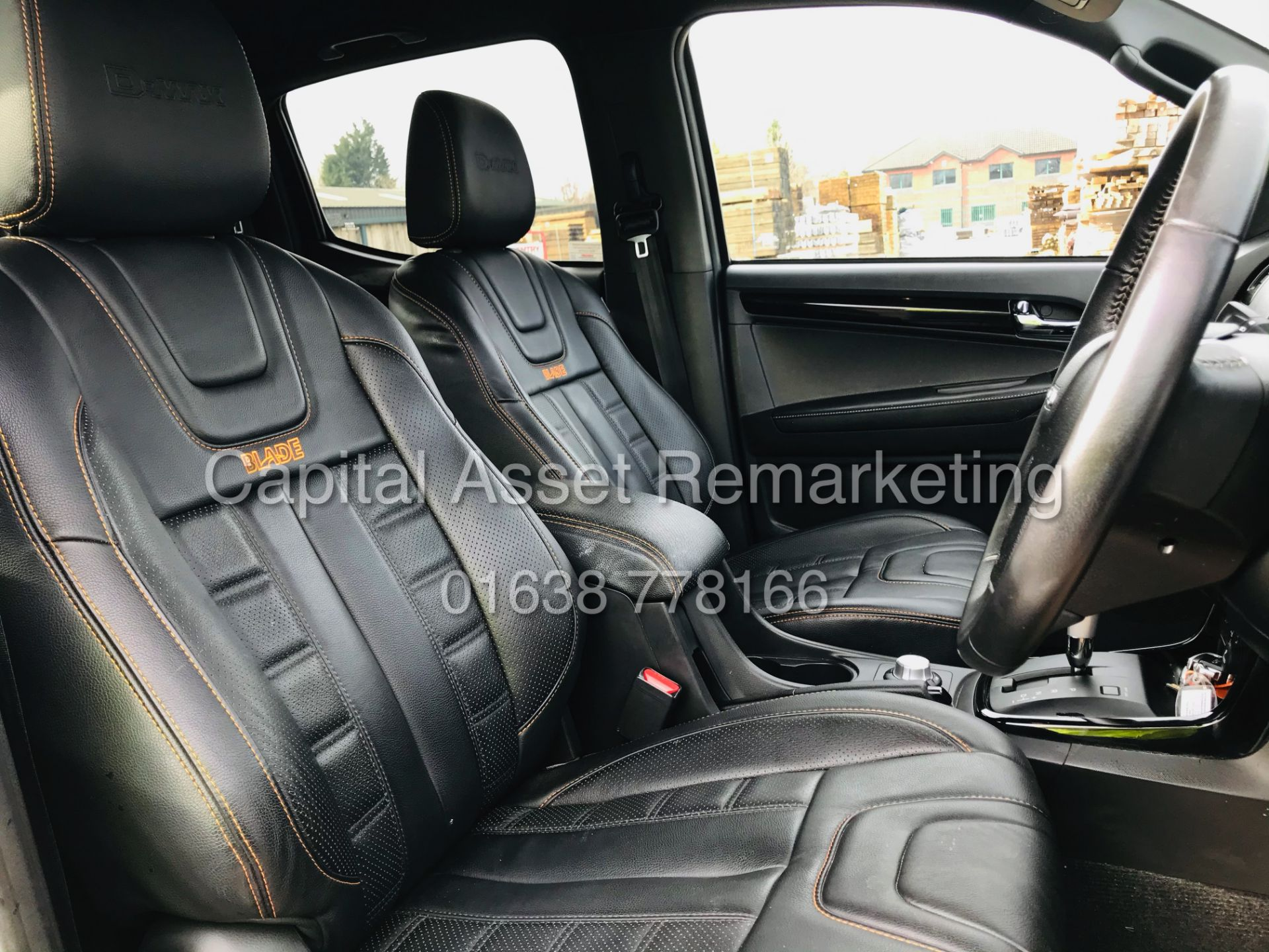 "(On Sale) ISUZU D-MAX ""BLADE"" AUTO - 1 OWNER (2019 - EURO 6) LEATHER - SAT NAV *TOP SPEC* - Image 16 of 34"