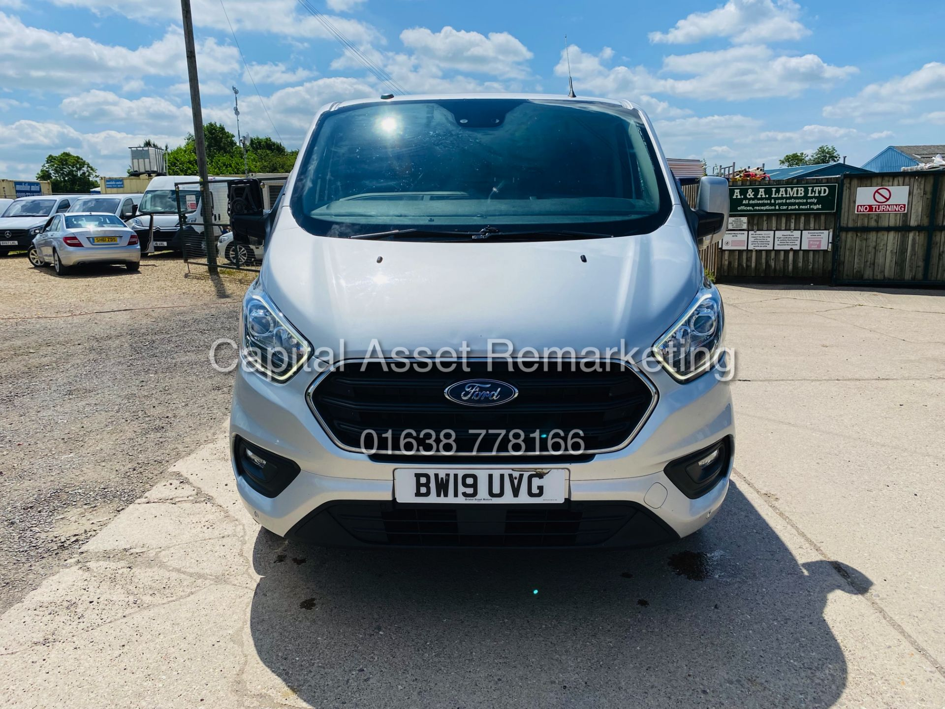 """FORD TRANSIT CUSTOM 2.0TDCI """"LIMITED"""" 300 (19 REG) AIR CON - 1 OWNER - EURO 6 - CRUISE - ELEC PACK - Image 3 of 22"""