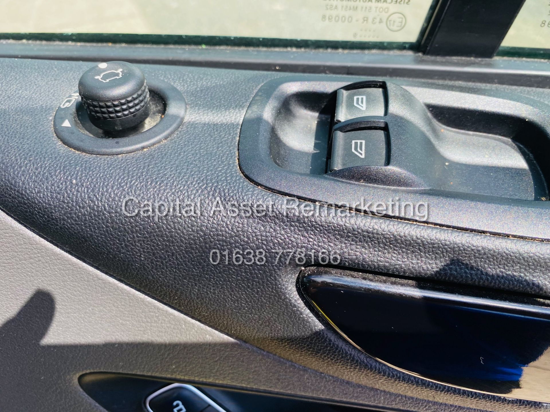 """FORD TRANSIT CUSTOM 2.0TDCI """"LIMITED"""" 300 (19 REG) AIR CON - 1 OWNER - EURO 6 - CRUISE - ELEC PACK - Image 18 of 22"""