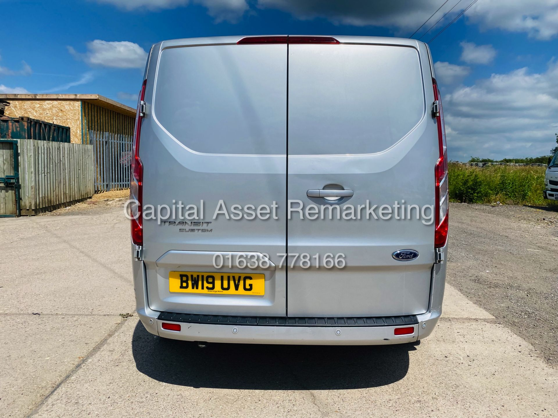 """FORD TRANSIT CUSTOM 2.0TDCI """"LIMITED"""" 300 (19 REG) AIR CON - 1 OWNER - EURO 6 - CRUISE - ELEC PACK - Image 8 of 22"""