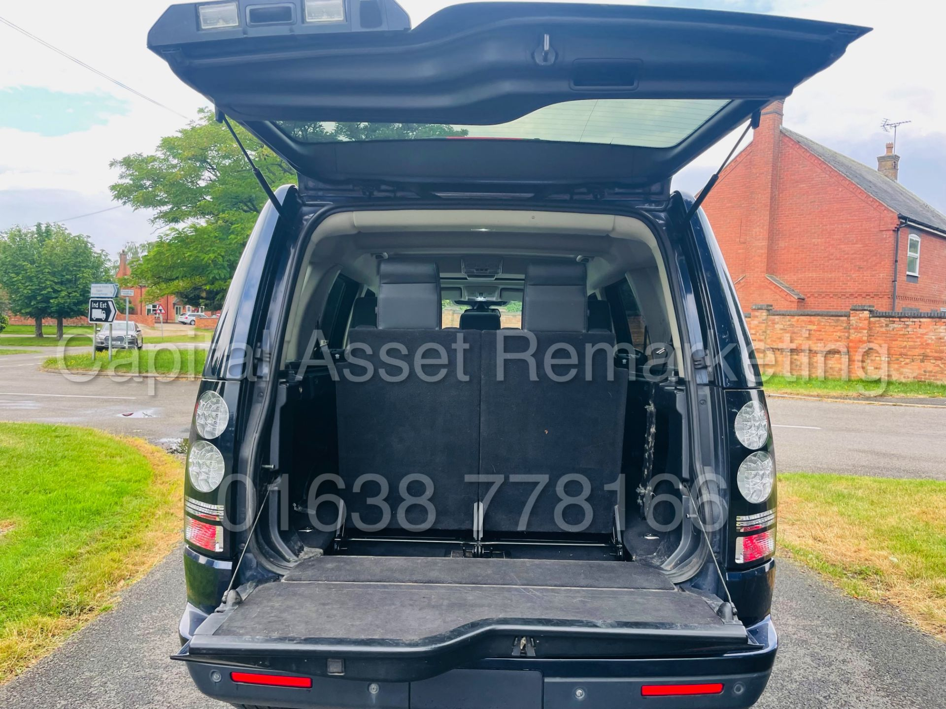 LAND ROVER DISCOVERY 4 *HSE* 7 SEATER SUV (2014 - NEW MODEL) '3.0 SDV6 - 255 BHP - 8 SPEED AUTO' - Image 31 of 61