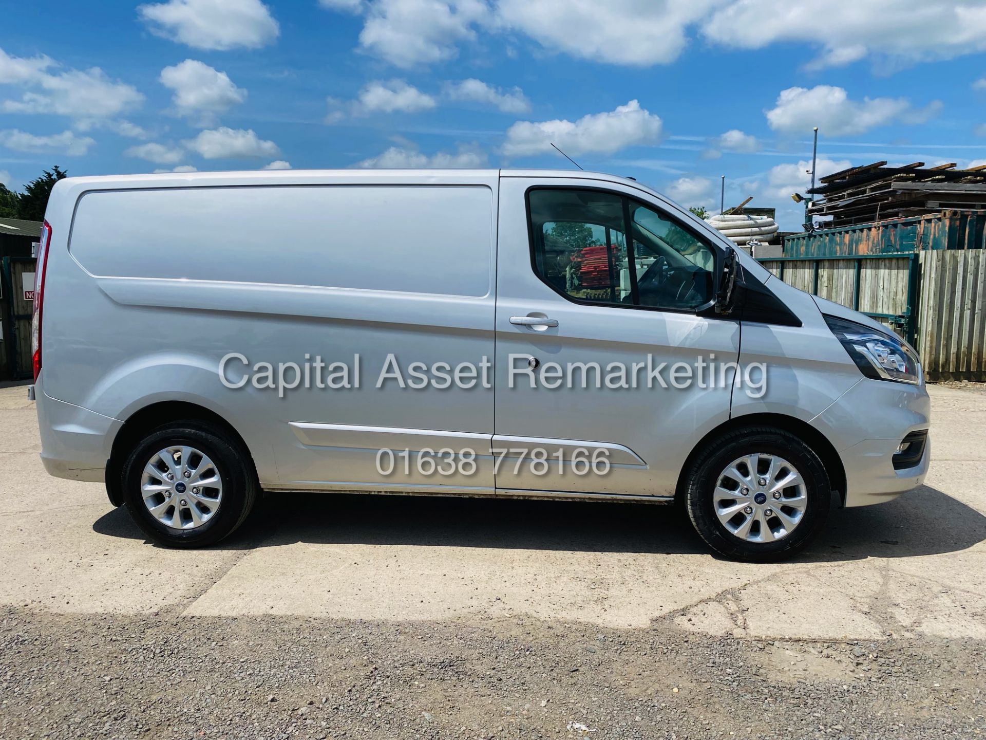 """FORD TRANSIT CUSTOM 2.0TDCI """"LIMITED"""" 300 (19 REG) AIR CON - 1 OWNER - EURO 6 - CRUISE - ELEC PACK - Image 10 of 22"""
