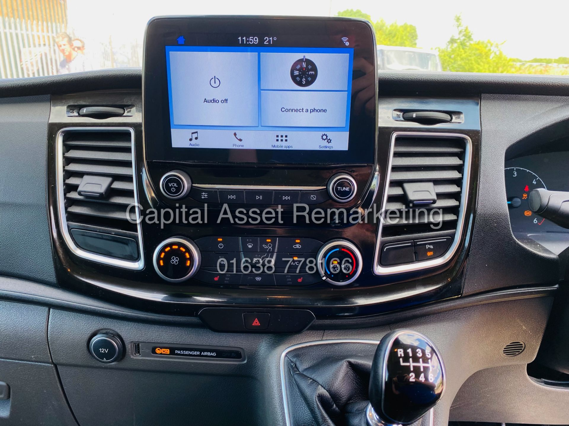 """FORD TRANSIT CUSTOM 2.0TDCI """"LIMITED"""" 300 (19 REG) AIR CON - 1 OWNER - EURO 6 - CRUISE - ELEC PACK - Image 14 of 22"""