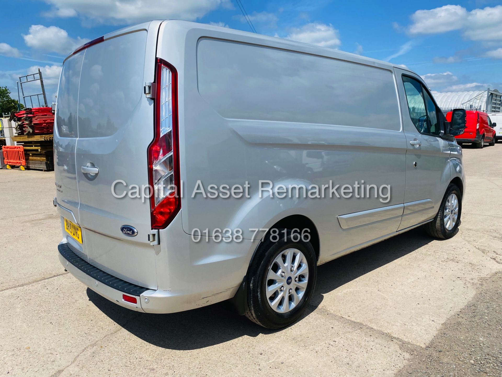 """FORD TRANSIT CUSTOM 2.0TDCI """"LIMITED"""" 300 (19 REG) AIR CON - 1 OWNER - EURO 6 - CRUISE - ELEC PACK - Image 9 of 22"""
