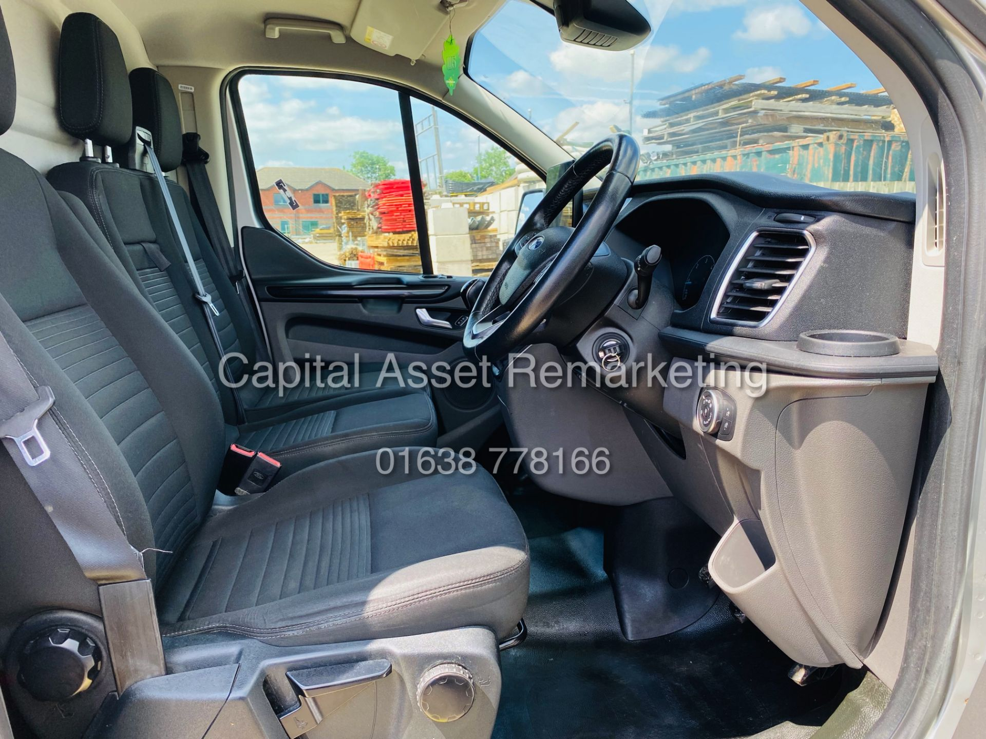 """FORD TRANSIT CUSTOM 2.0TDCI """"LIMITED"""" 300 (19 REG) AIR CON - 1 OWNER - EURO 6 - CRUISE - ELEC PACK - Image 11 of 22"""