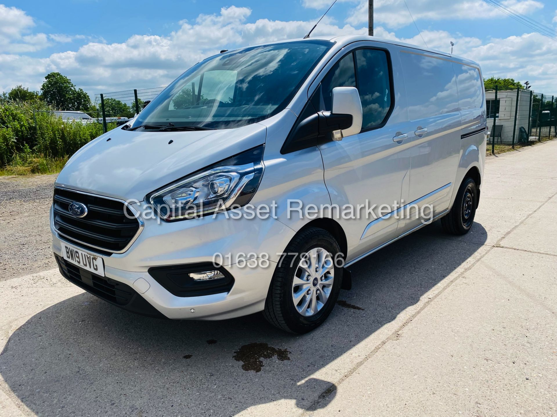 """FORD TRANSIT CUSTOM 2.0TDCI """"LIMITED"""" 300 (19 REG) AIR CON - 1 OWNER - EURO 6 - CRUISE - ELEC PACK - Image 4 of 22"""