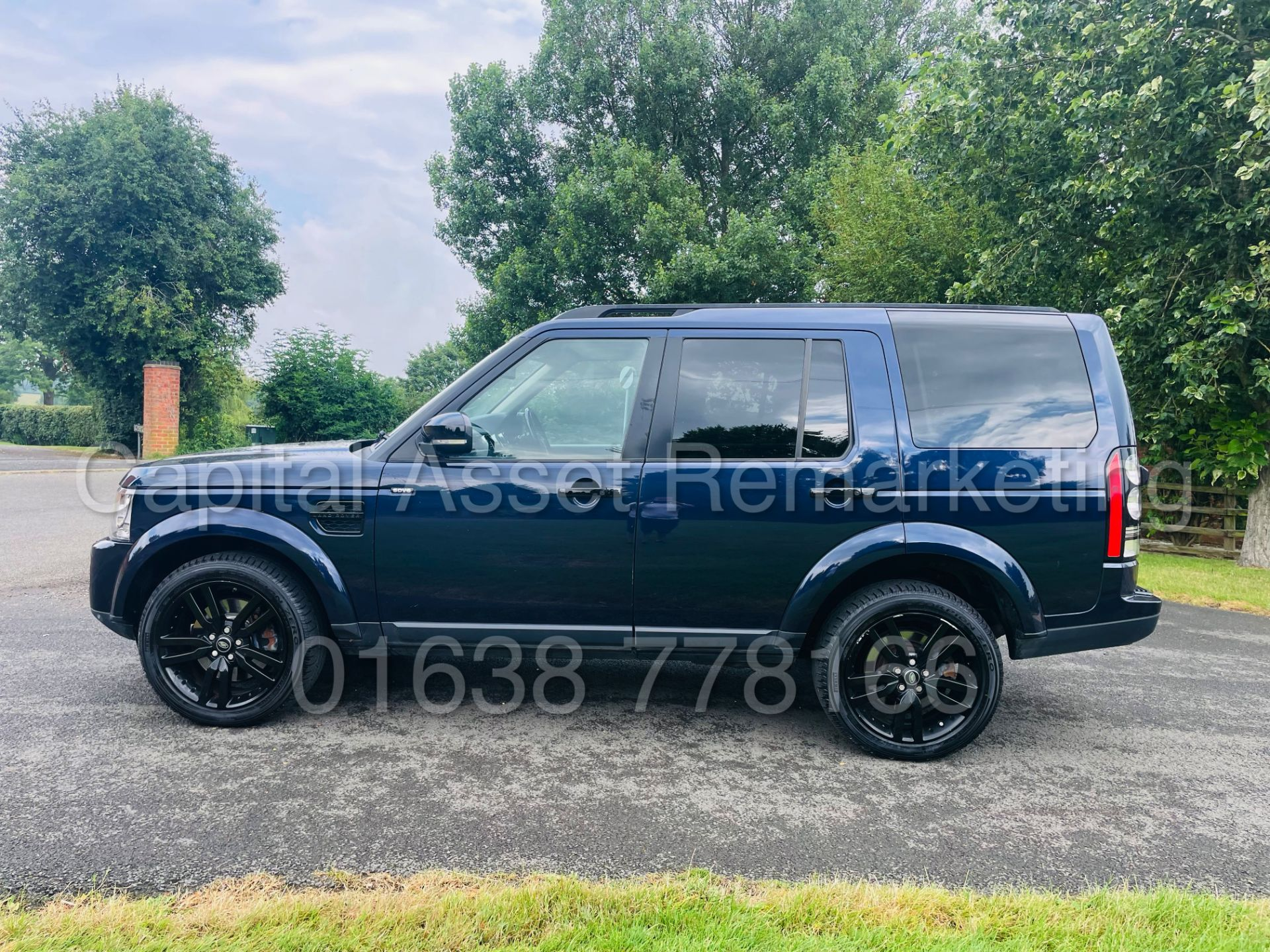 LAND ROVER DISCOVERY 4 *HSE* 7 SEATER SUV (2014 - NEW MODEL) '3.0 SDV6 - 255 BHP - 8 SPEED AUTO' - Image 4 of 61