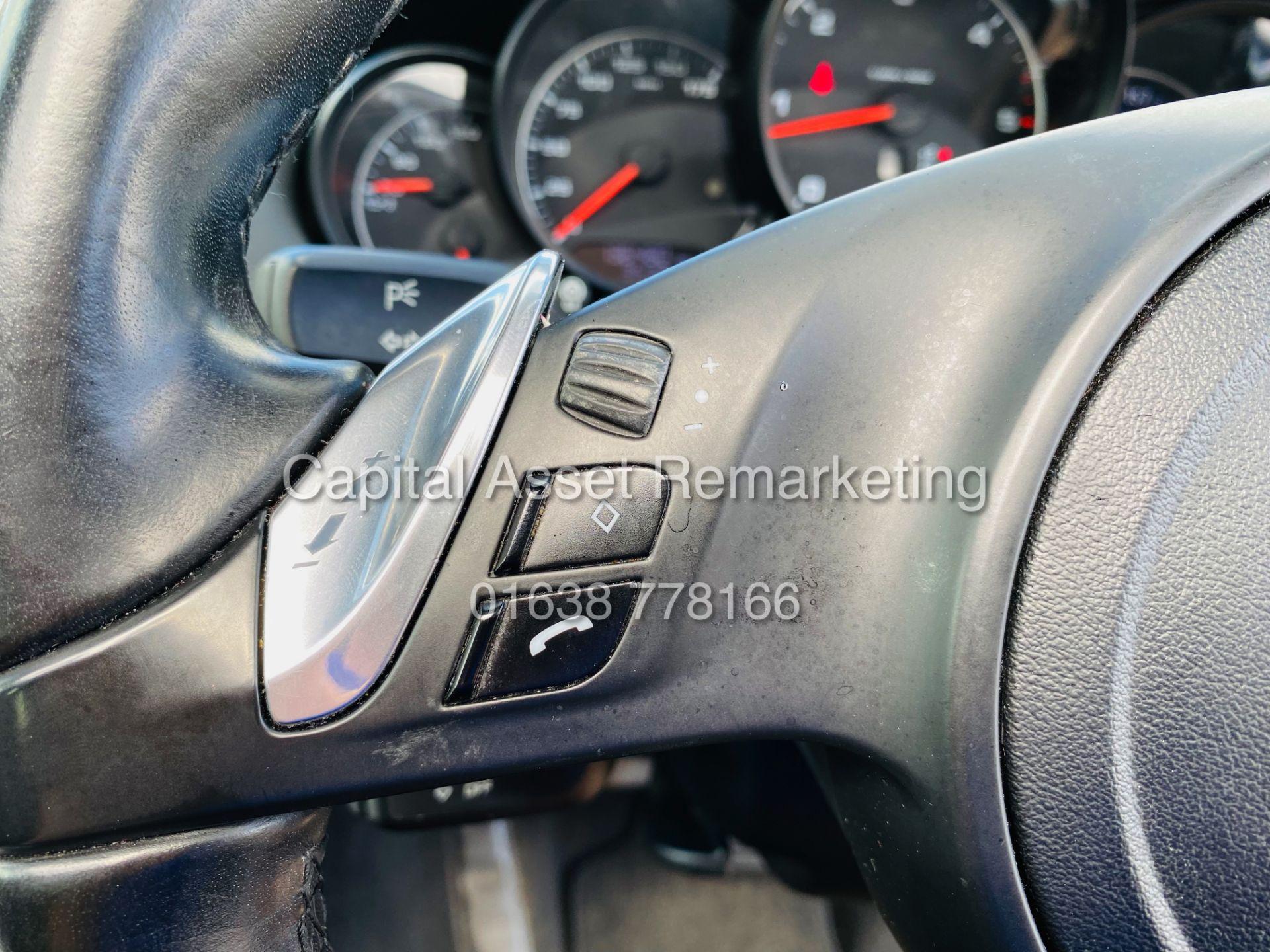 """PORSCHE CAYENNE 3.0D """"PDK AUTO"""" (NEW SHAPE) MEGA SPEC - PAN ROOF - LEATHER - FSH - WOW!! NO VAT!! - Image 21 of 38"""