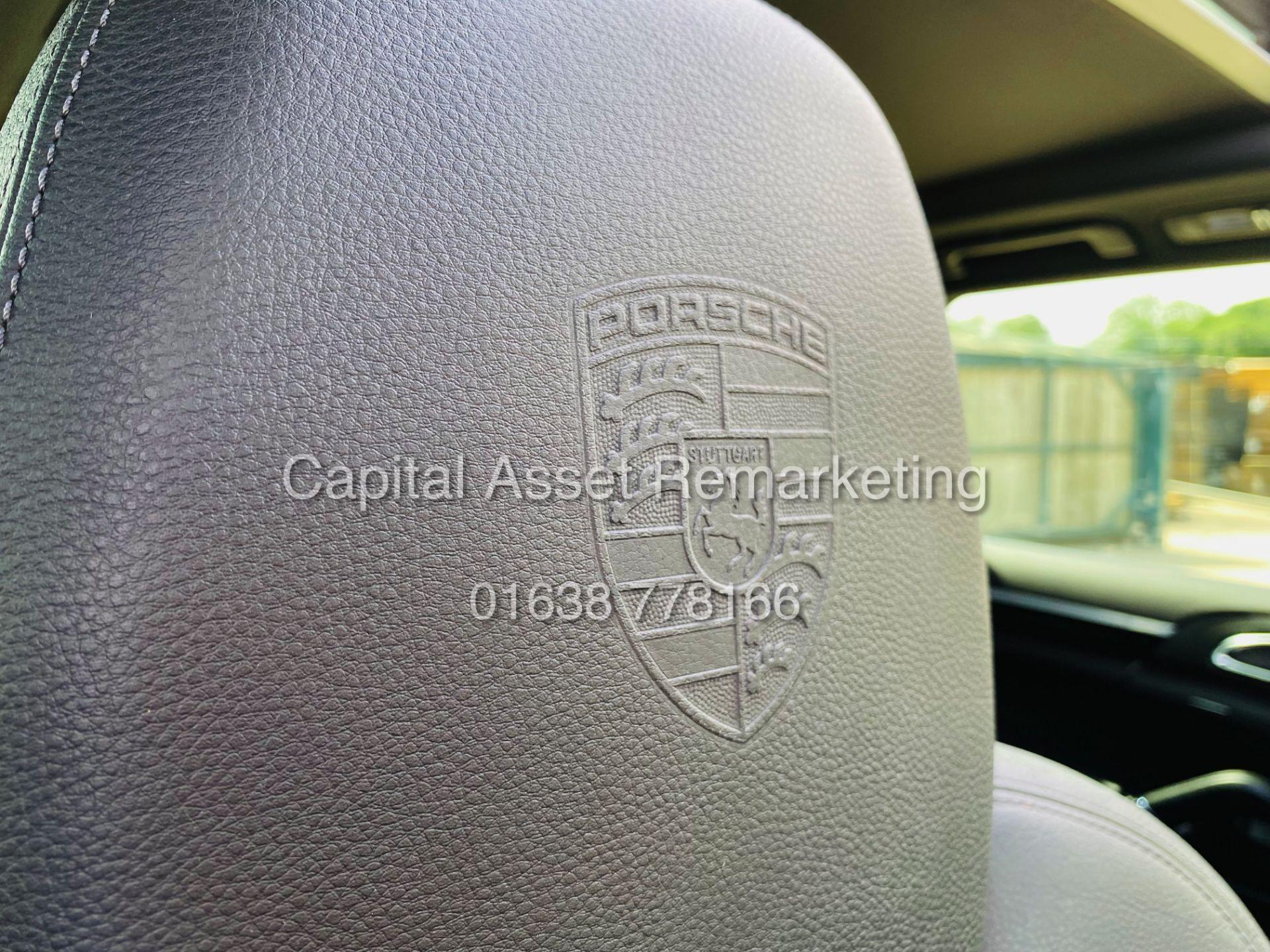 """PORSCHE CAYENNE 3.0D """"PDK AUTO"""" (NEW SHAPE) MEGA SPEC - PAN ROOF - LEATHER - FSH - WOW!! NO VAT!! - Image 24 of 38"""