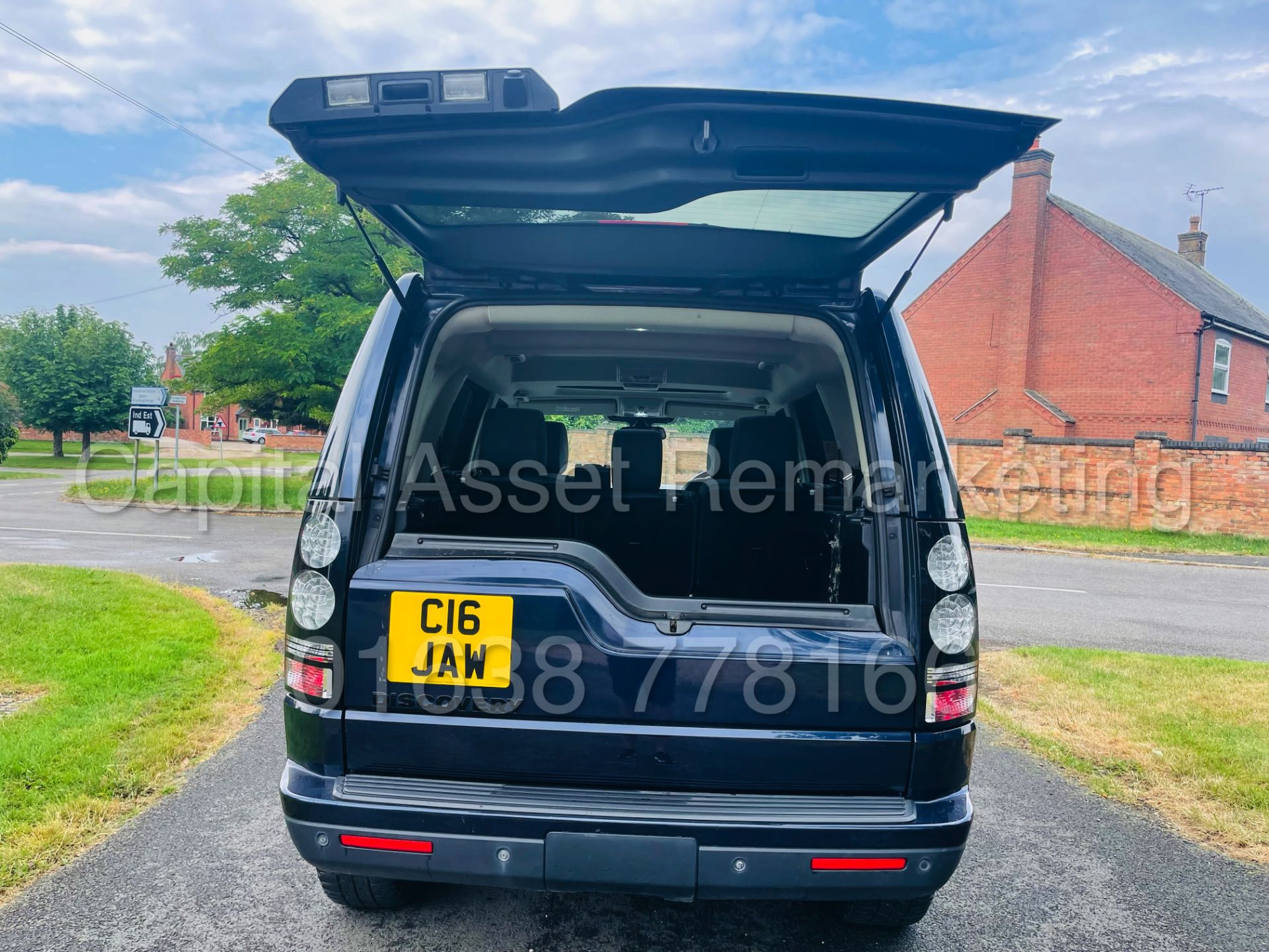 LAND ROVER DISCOVERY 4 *HSE* 7 SEATER SUV (2014 - NEW MODEL) '3.0 SDV6 - 255 BHP - 8 SPEED AUTO' - Image 29 of 61