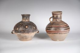 Arte Cinese Two earthenware vases decorated with geometric motifsChina, Neolithic period, Majiayao