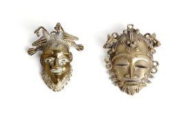 Arte africana Two bronze passport masks, BamounCameroon.