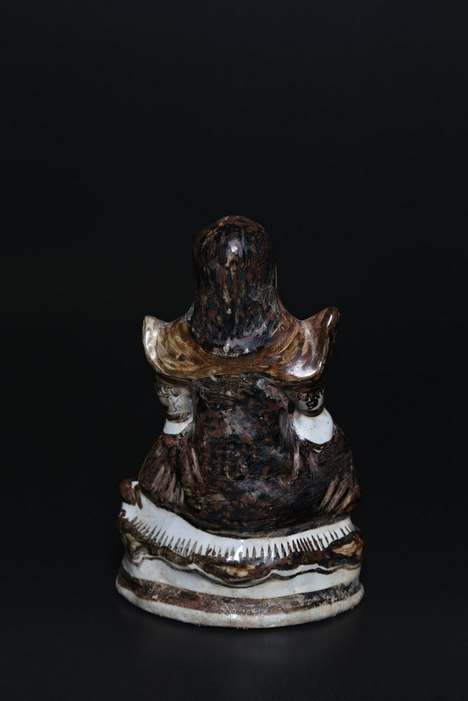 Arte Cinese A porcelain statue depicting GuandìChina, Yuan/Ming dynasty, 14th - 16th century . - Image 2 of 2