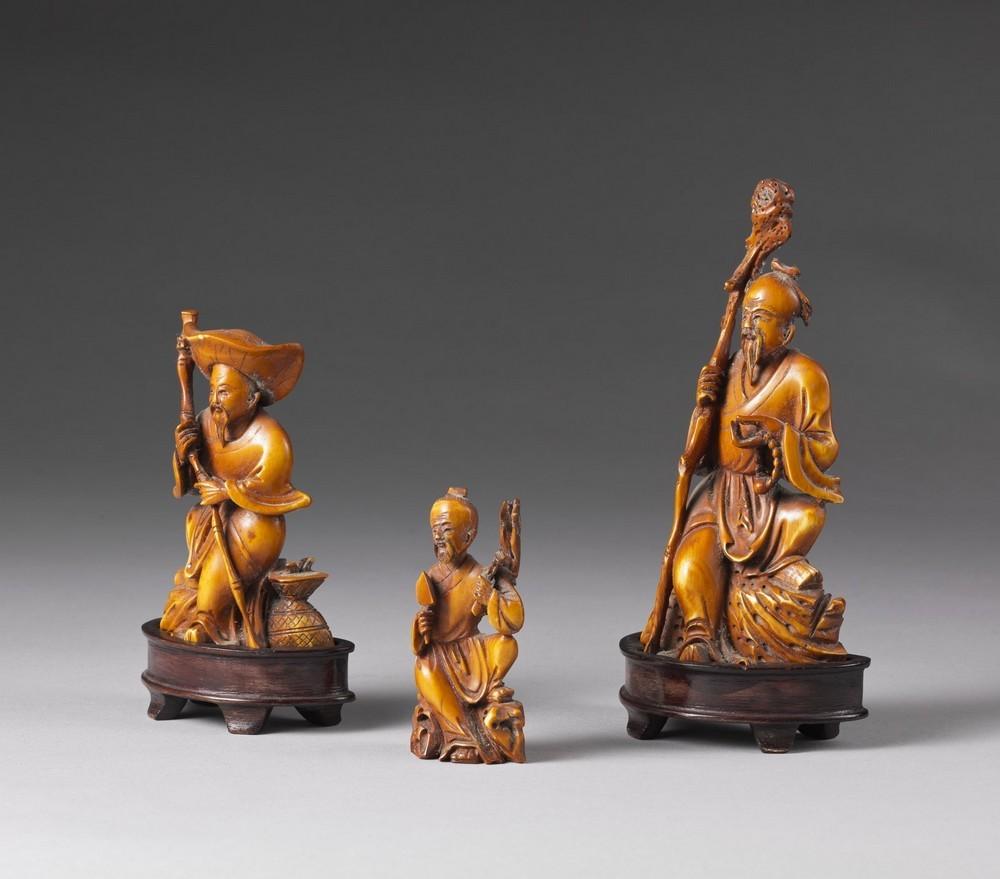 Arte Cinese A group of ivory carved figures China, early 20th century . - Image 2 of 3
