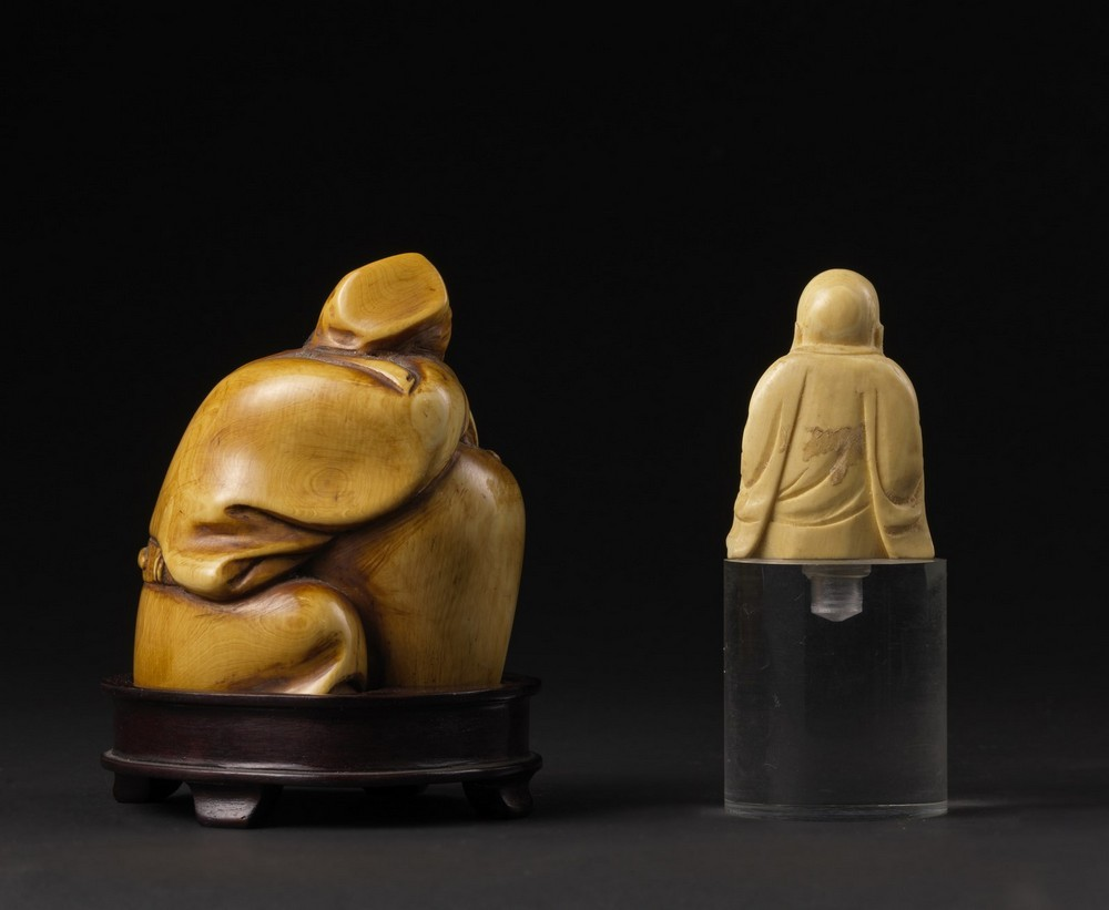Arte Cinese Two ivory carving: one Budai and a scholar China, late 19th-early 20th century . - Image 2 of 6