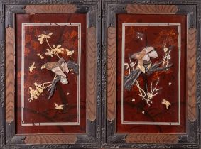ARTE GIAPPONESE  Two Shibayama style screens with mother of pearl and resin Japan, 20th century .