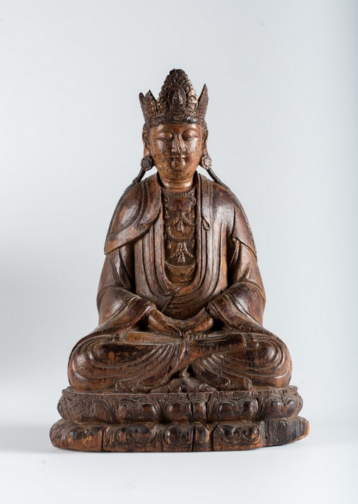 Arte Cinese A hardwood sculpture of Guanyin China, Yuan dynasty, 1279 - 1368.