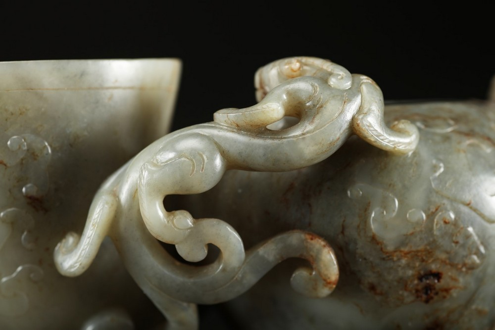 Arte Cinese A grey celadon jade brush holder in the shape of a quail and brush washer vase decorate - Image 5 of 5