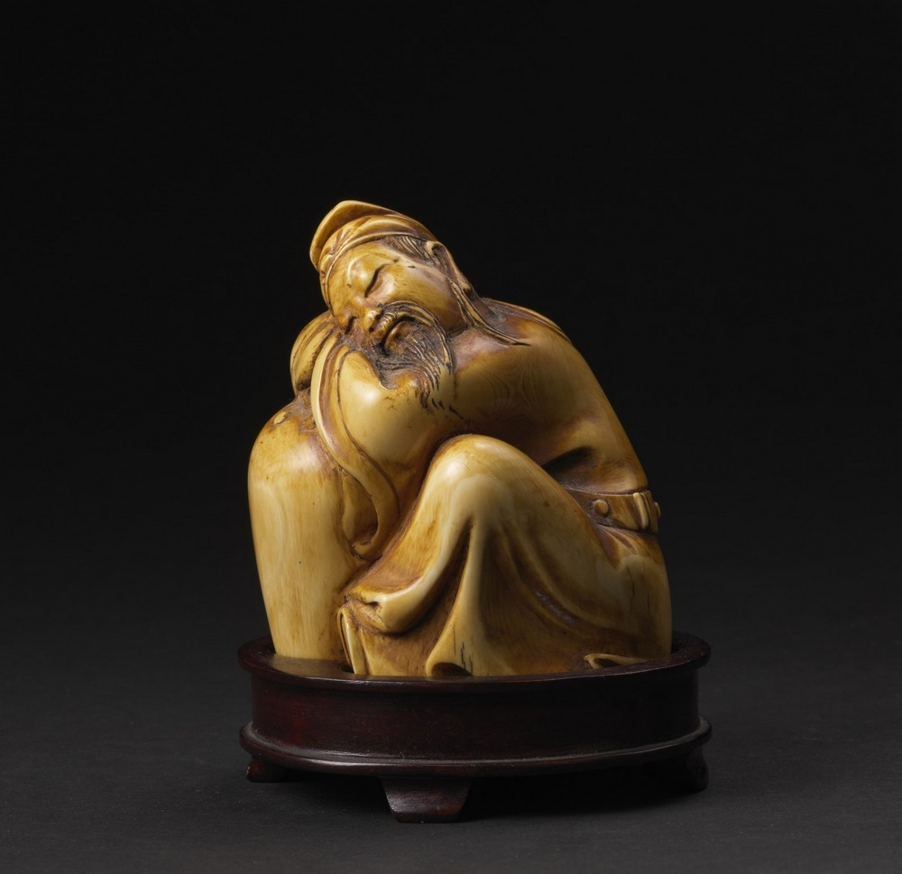 Arte Cinese Two ivory carving: one Budai and a scholar China, late 19th-early 20th century . - Image 3 of 6