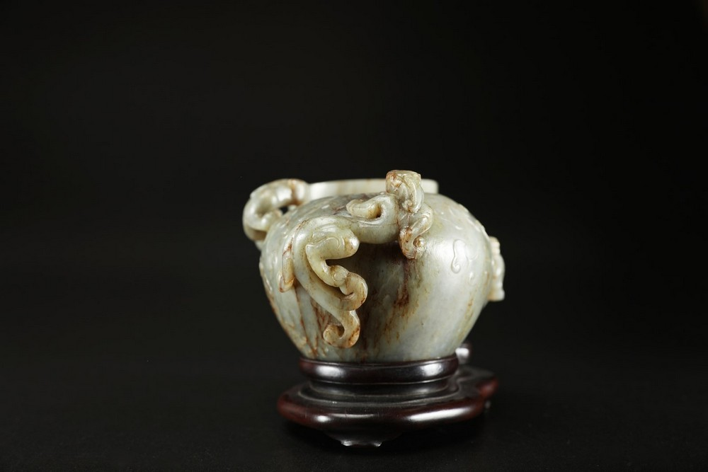 Arte Cinese A grey celadon jade brush holder in the shape of a quail and brush washer vase decorate - Image 3 of 5