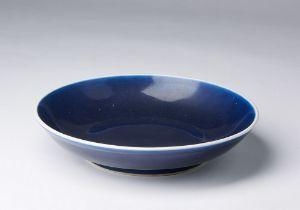 Arte Cinese  A monochrome blue glazed porcelain dish China, Qing dynasty, 18th century .