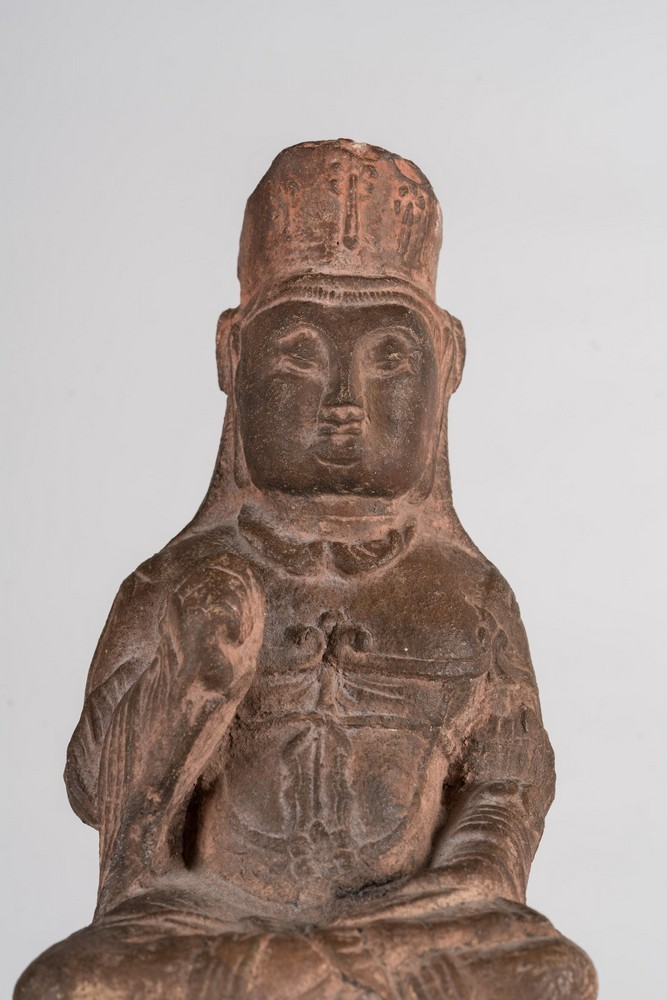 Arte Cinese An earthenware Tang style statue of a bodhisattva on a lion China, 19th century . - Image 2 of 6